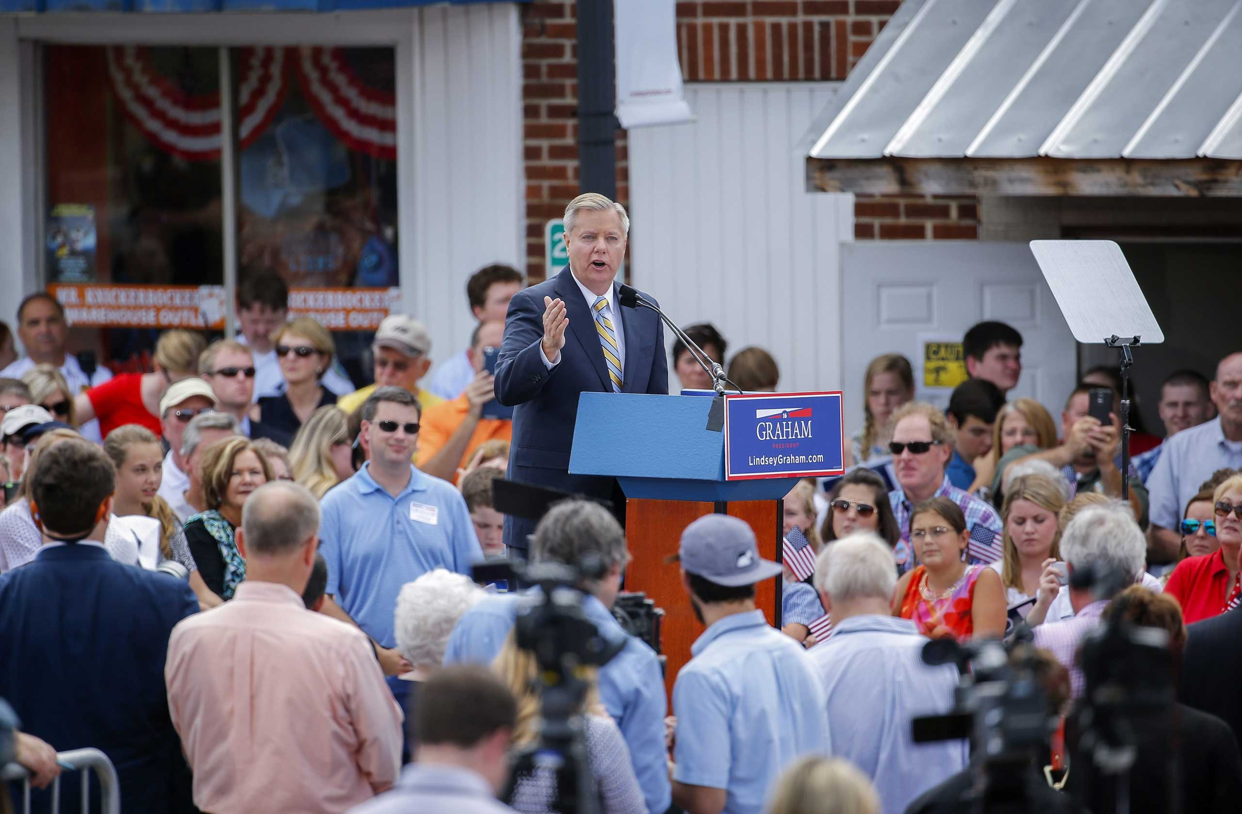Republican Senator Lindsey Graham announces his 2016 presidential candidacy in Central, S.C. on June 1, 2015.