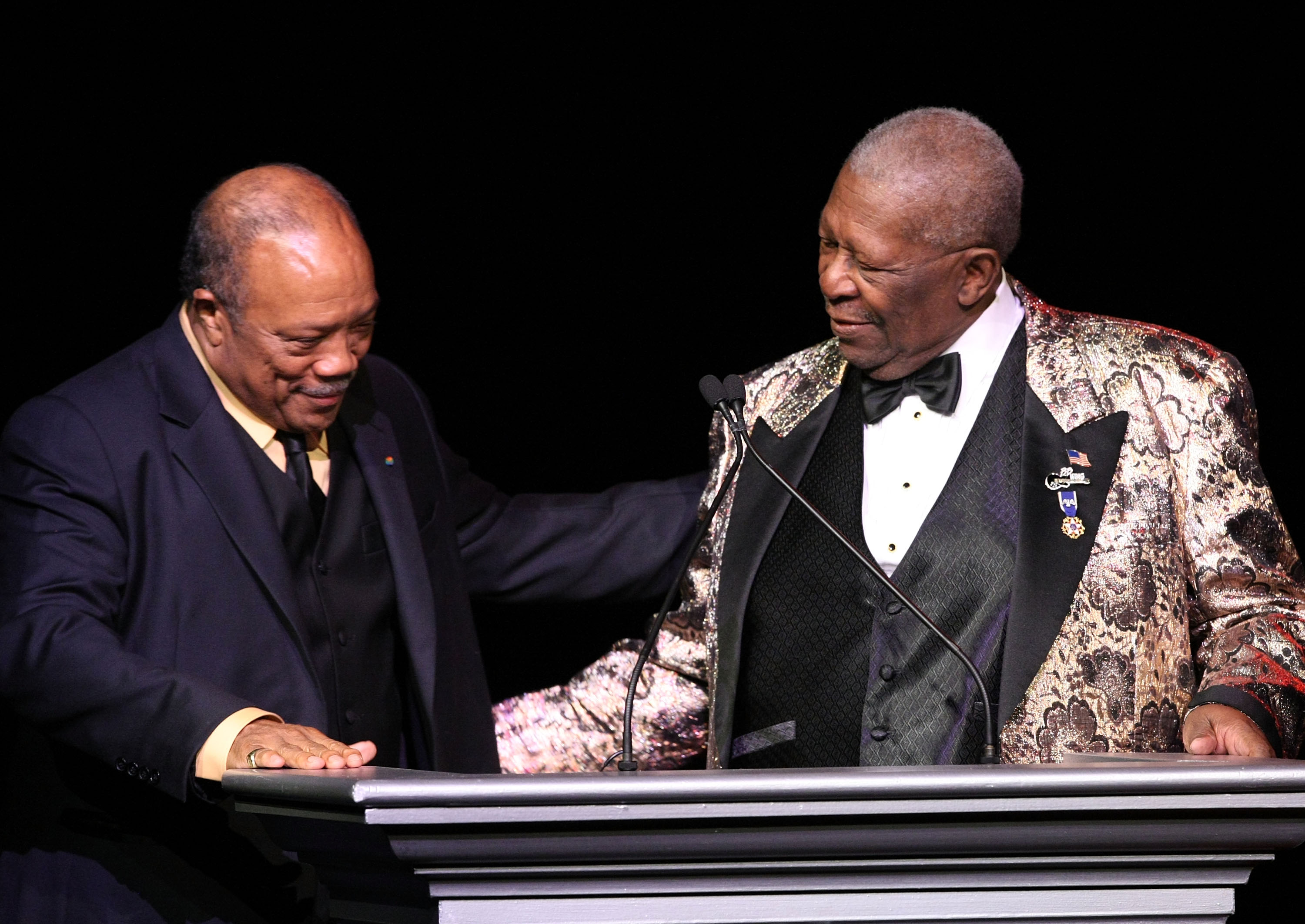 Musician Quincy Jones (L) presents an award to musician B.B. King onstage during the Thelonious Monk Institute of Jazz honoring B.B. King event held at the Kodak Theatre on October 26, 2008 in Los Angeles, California.