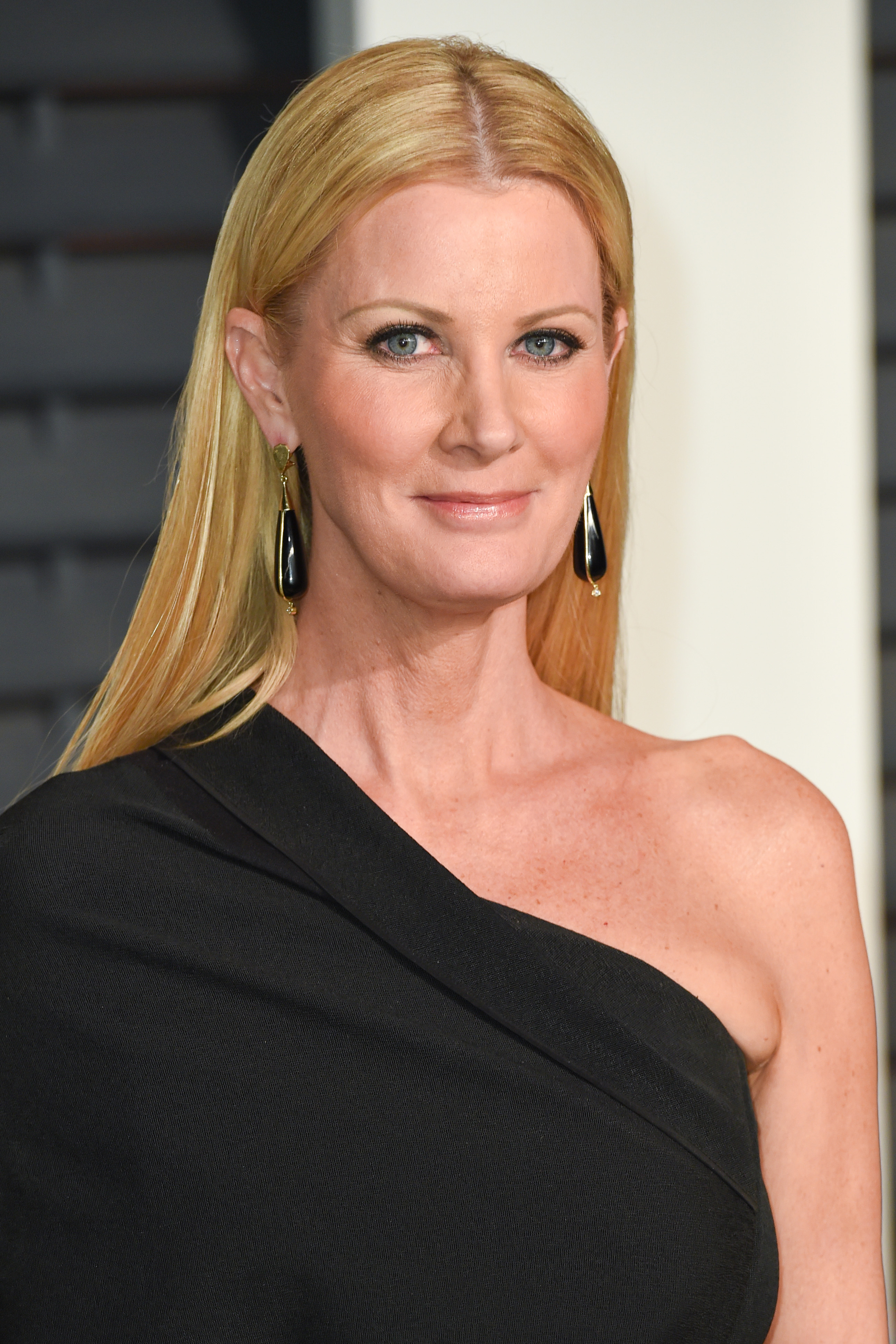 Sandra Lee arrives at the 2015 Vanity Fair Oscar after party on Feb. 22, 2015 at The Wallis Annenberg Center for the Performing Arts in Beverly Hills, Calif.