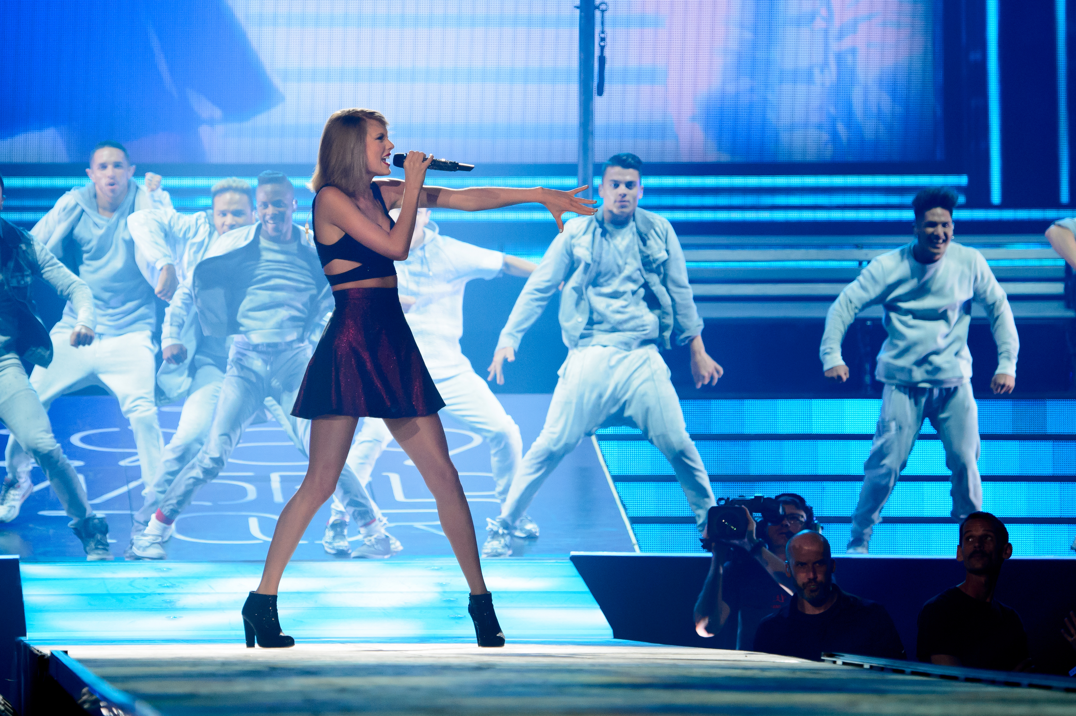 Taylor Swift performs on stage for the 1989 World Tour at CenturyLink Center on May 20, 2015 in Bossier City, La.