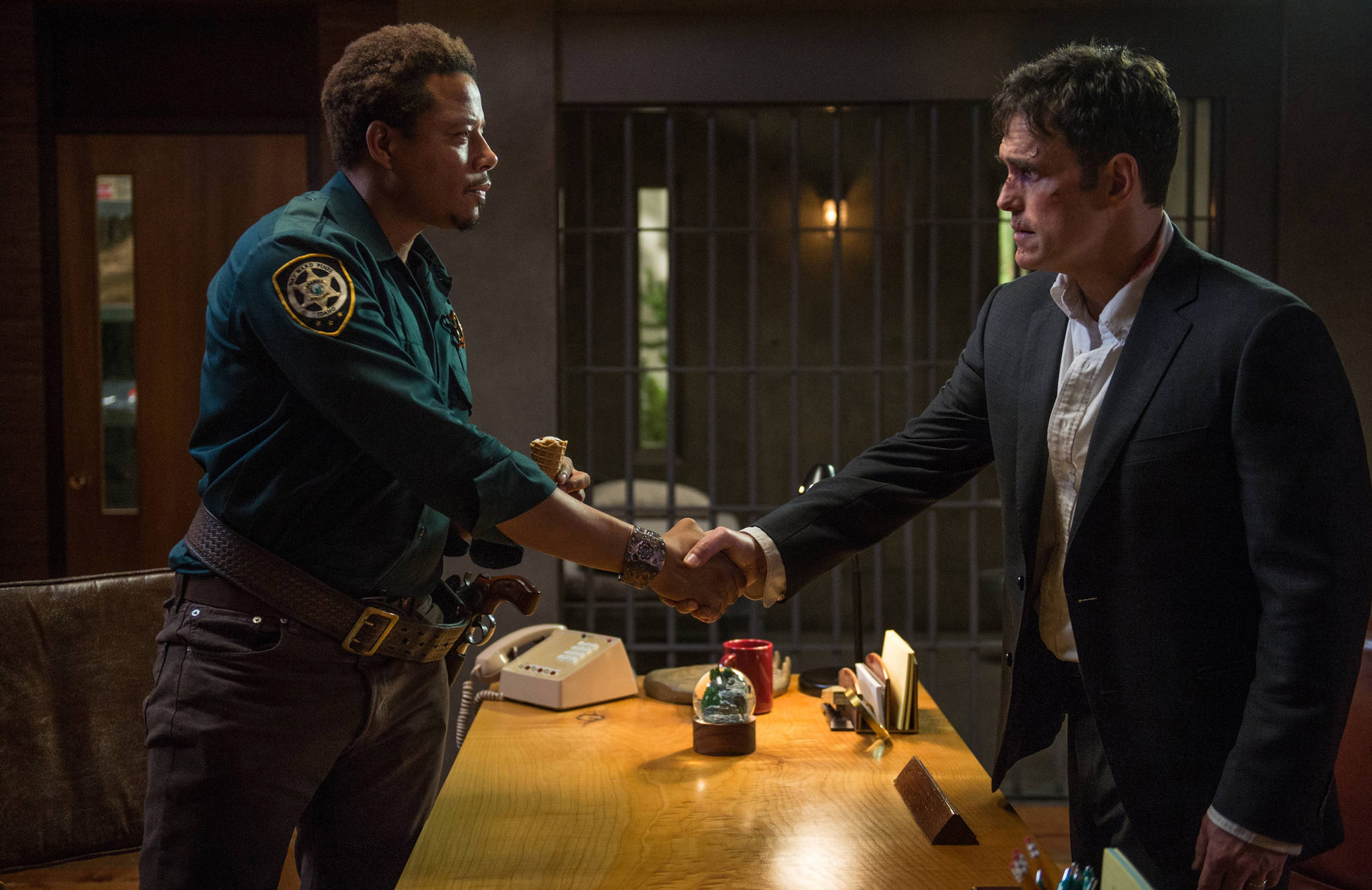 Review: Wayward Pines Lays a Twisty Trail | Time