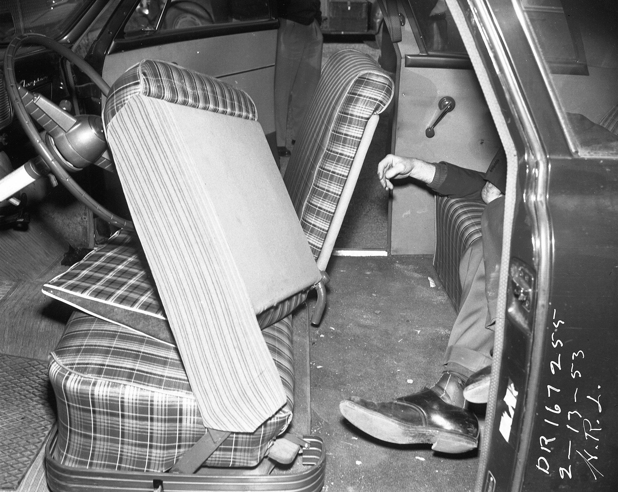 Sad silent suicide by carbon monoxide poisoning in Hollywood on February 13, 1953.
