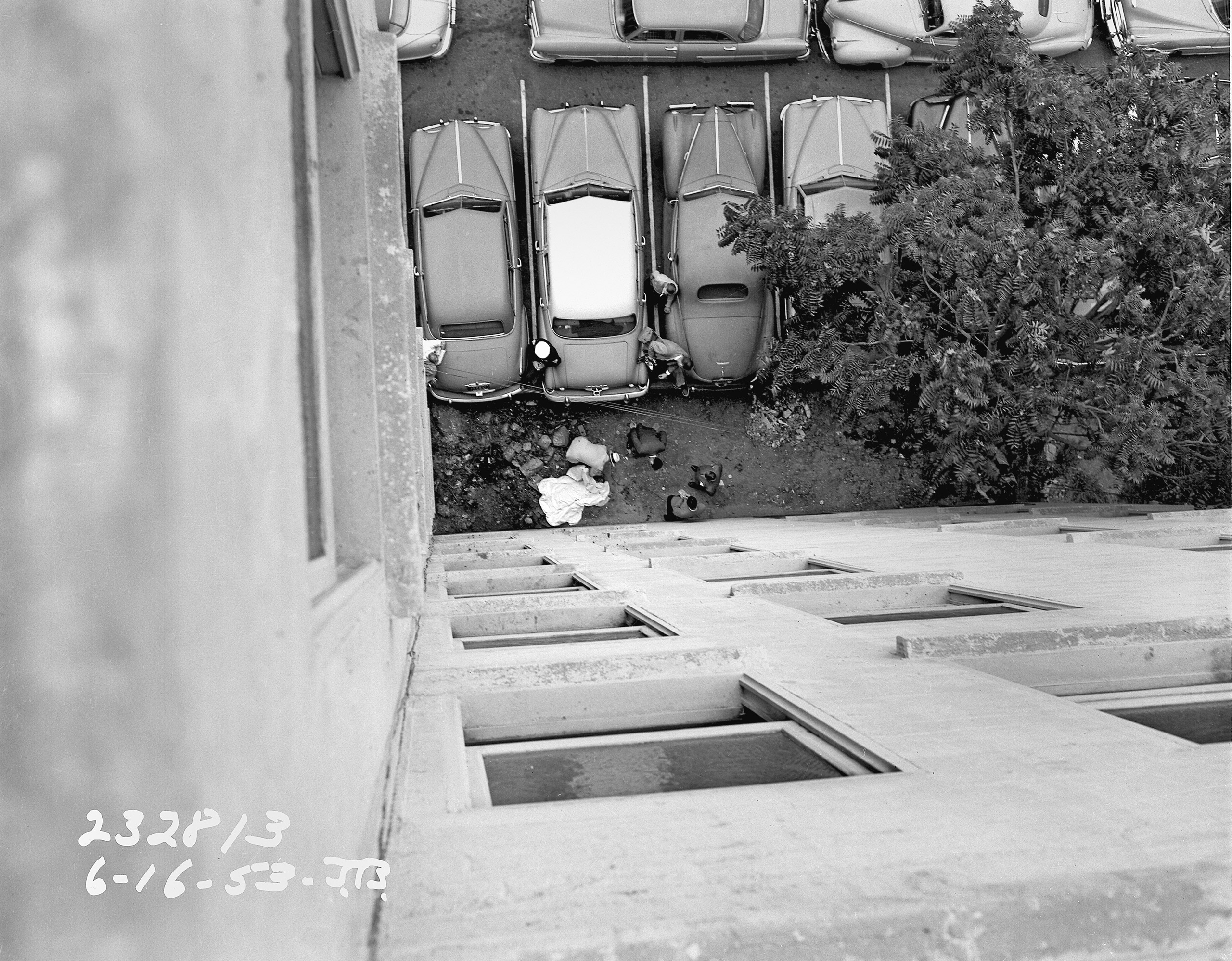 Man jumps to his death from the Northern Hotel in the Bunker Hill area of Los Angeles on June 16, 1953.