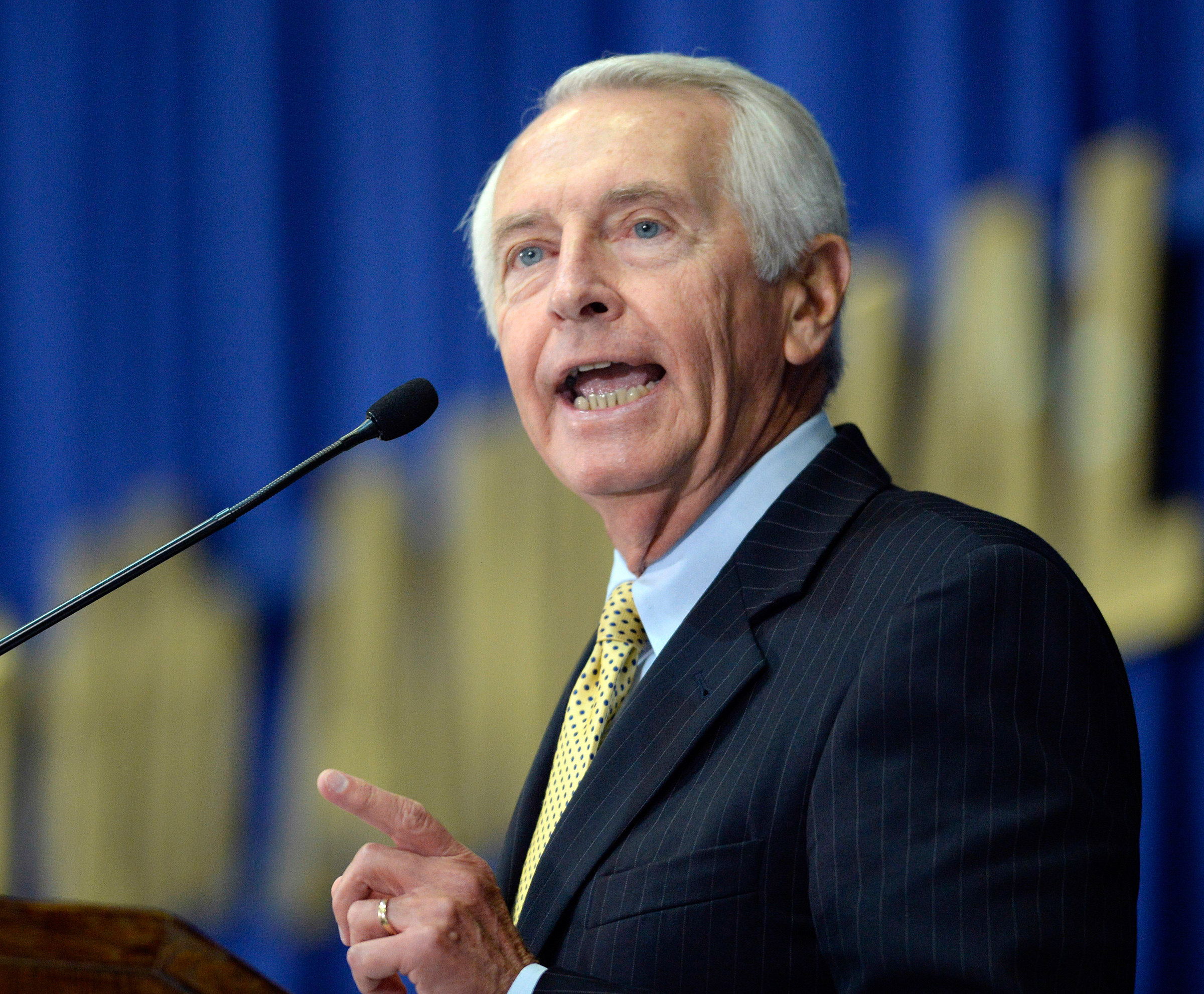 Kentucky Gov. Steve Beshear addresses the audience at the 50th annual Kentucky Country Ham Breakfast in Louisville, Ky., on July 19, 2015