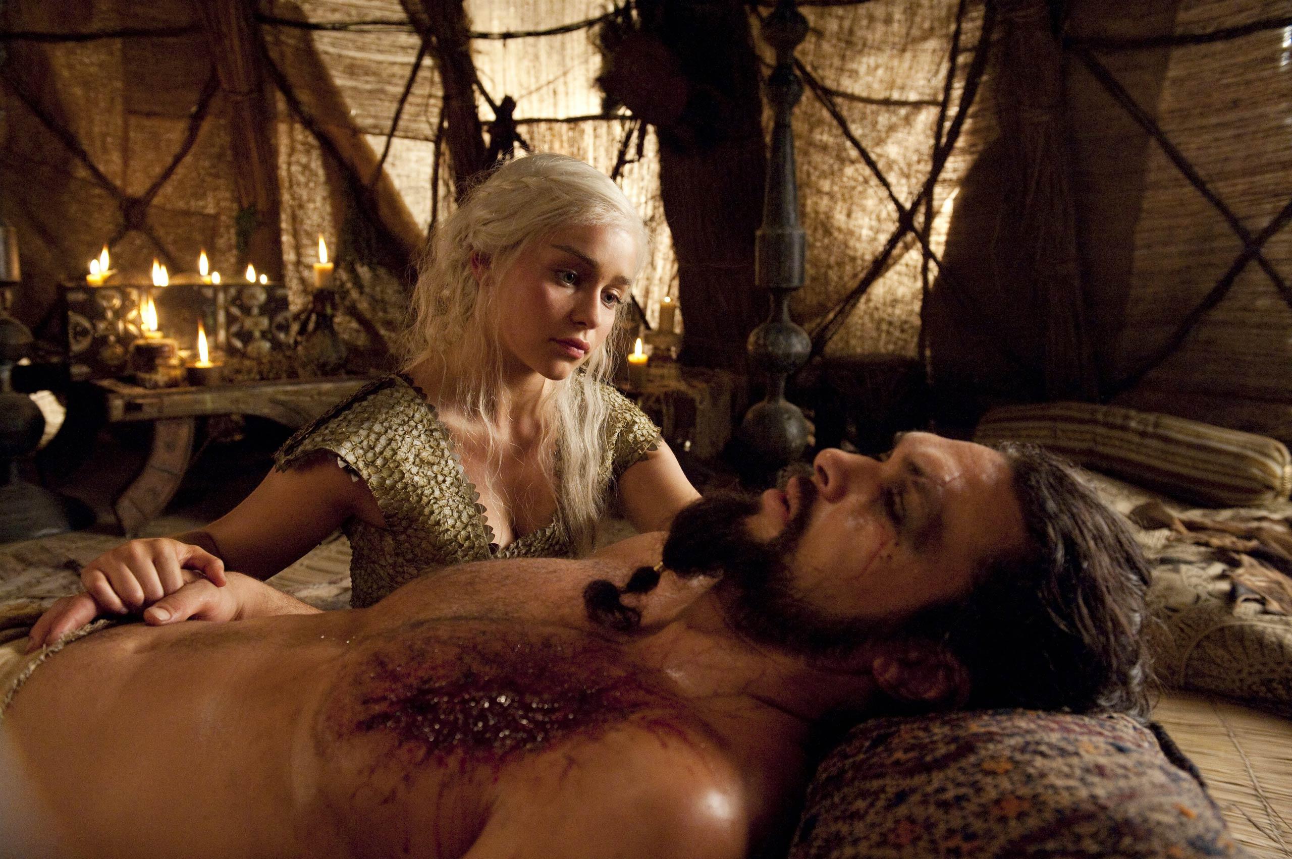 Jason Momoa and Emilia Clarke in Game of Thrones