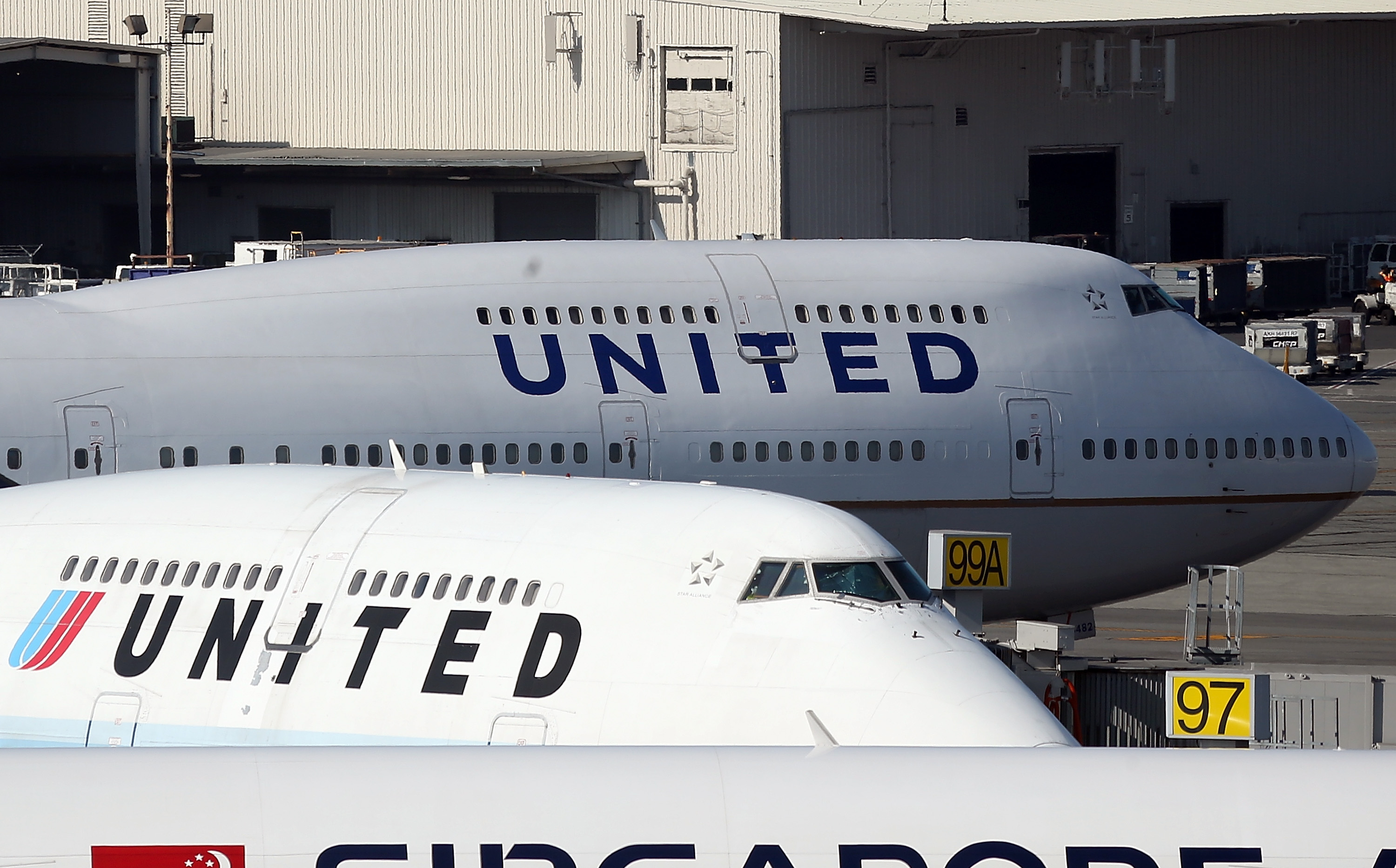 United Airlines planes sit on the tarmac at San Francisco International Airport on January 23, 2014 in San Francisco, California.