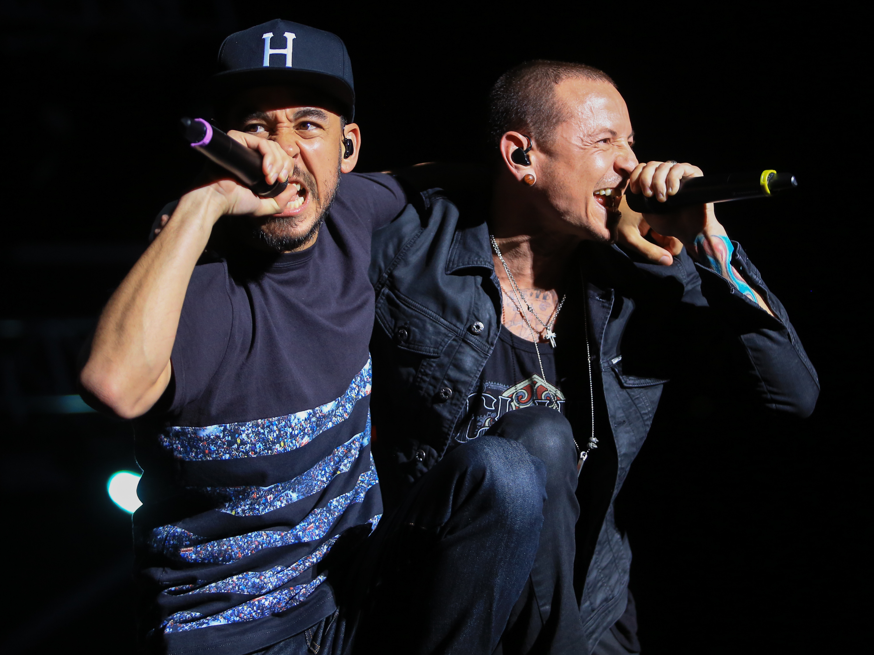Musicians Mike Shinoda and Chester Bennington of Linkin Park perform at MAPFRE Stadium on May 17, 2015 in Columbus, Ohio.