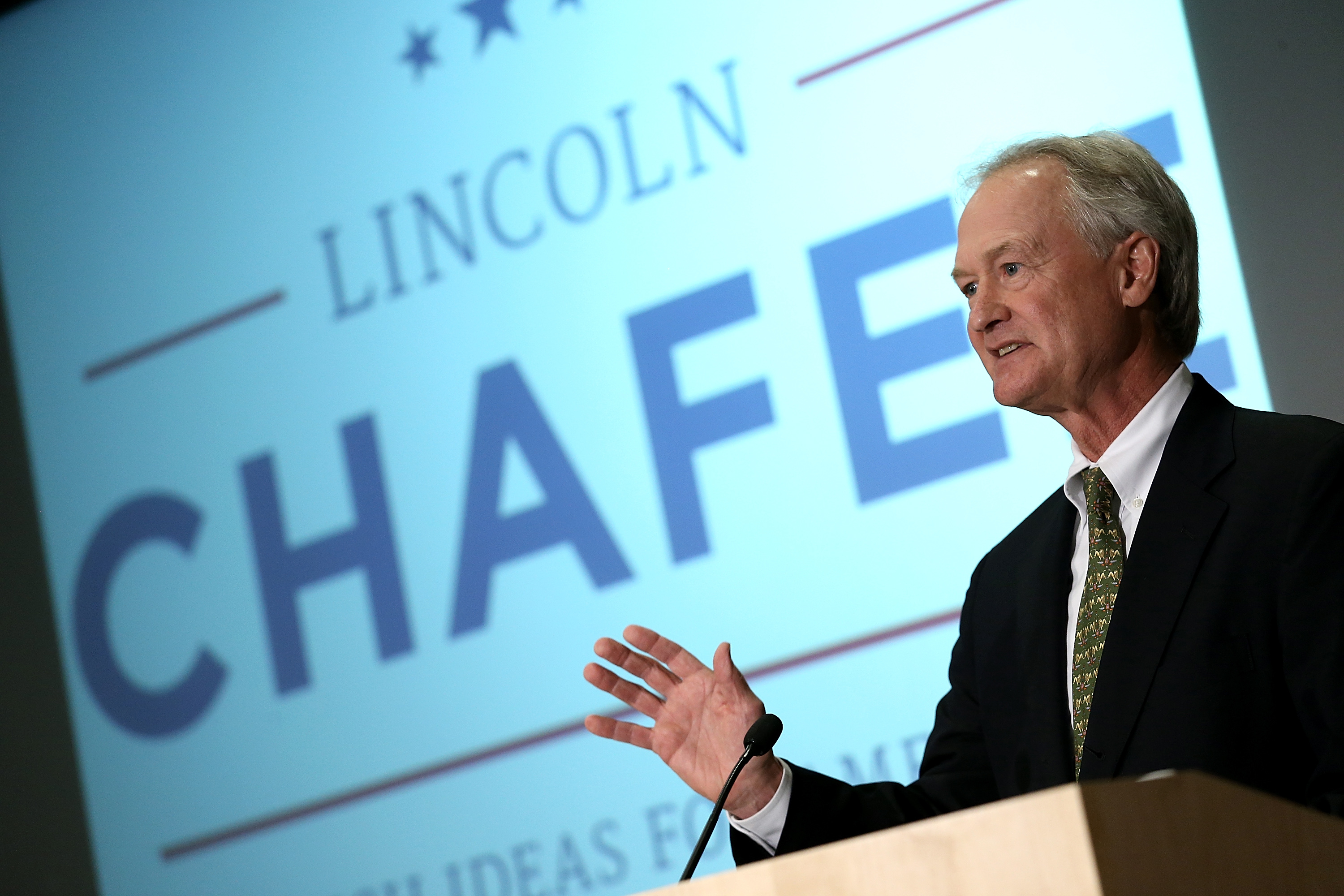 Democratic presidential candidate and former Sen. Lincoln Chafee (D-RI) announces his candidacy for the U.S. presidency at George Mason University June 3, 2015 in Arlington, Virginia. Chafee joins Hillary Clinton, Bernie Sanders and Martin O'Malley in seeking the Democratic nomination.