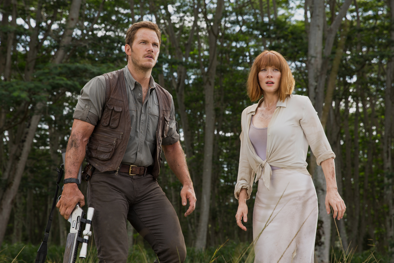 Owen (Chris Pratt) and Claire (Bryce Dallas Howard) in Jurassic World.
