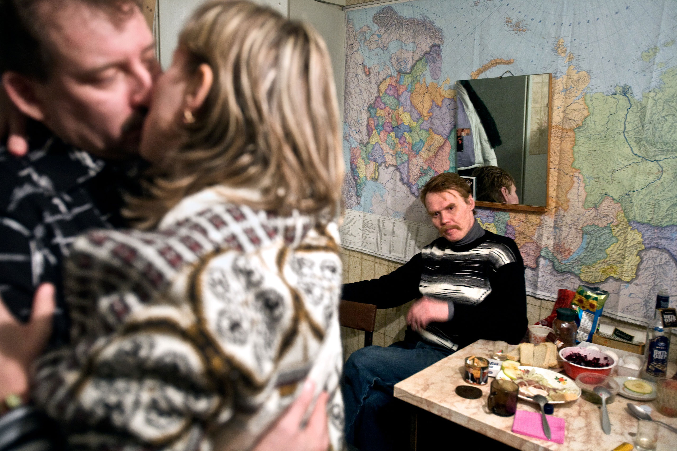 Valery, a married miner and union representative in Severny village outside Vorkuta, dances with his lover Lena, while his friend Alexander watches jealously.
