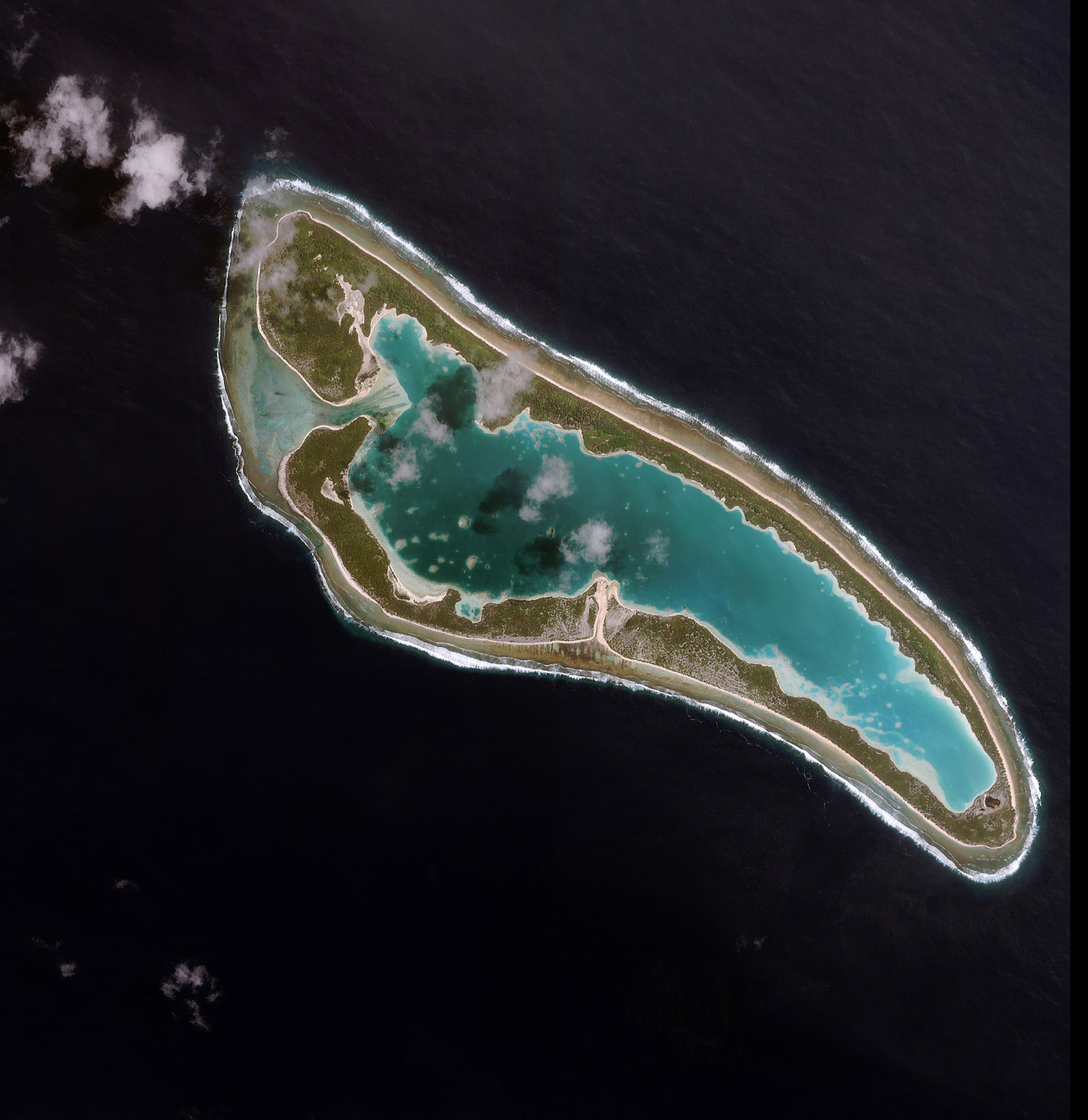 An image of Nikumaroro Island, where Amelia Earhart may have crashed, collected by Space Imaging's IKONOS satellite on April 16, 2001.