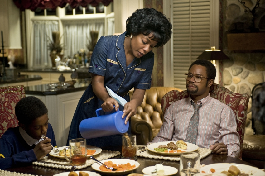 Cuba Gooding Jr. with Aunjanue Ellis in Gifted Hands: The Ben Carson Story (2009)