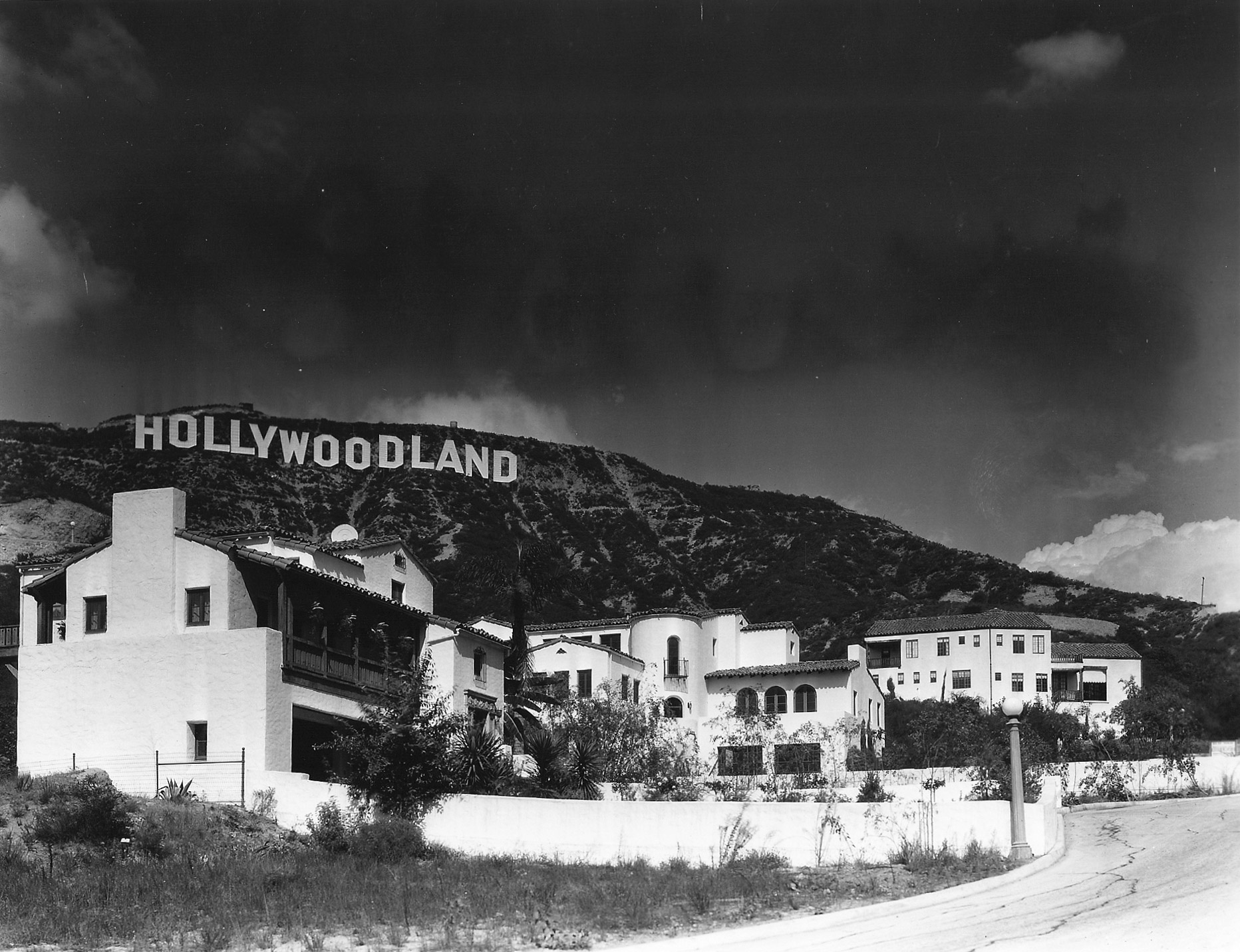 Brand new Hollywoodland homes, 1925.