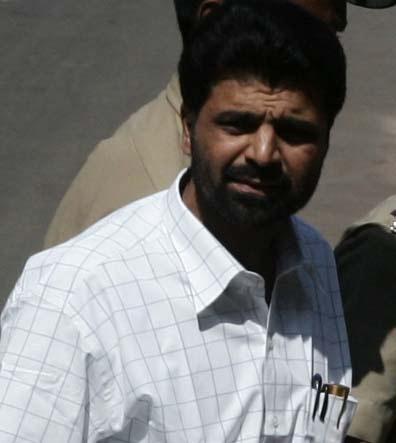 Mumbai bomb-blast accused Yakub Memon entering the TADA court in Mumbai on Oct. 25, 2007