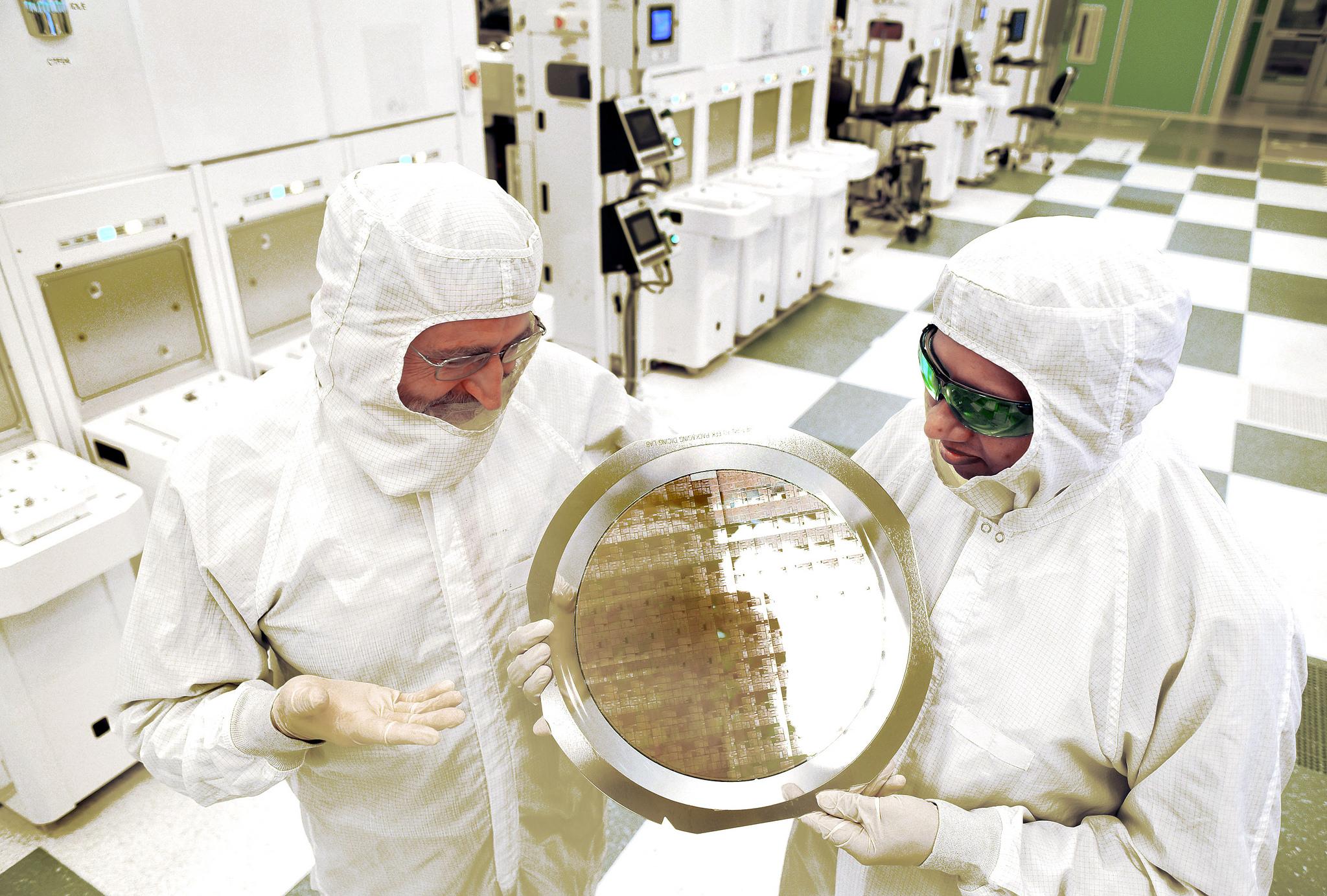 IBM 7nm Chip