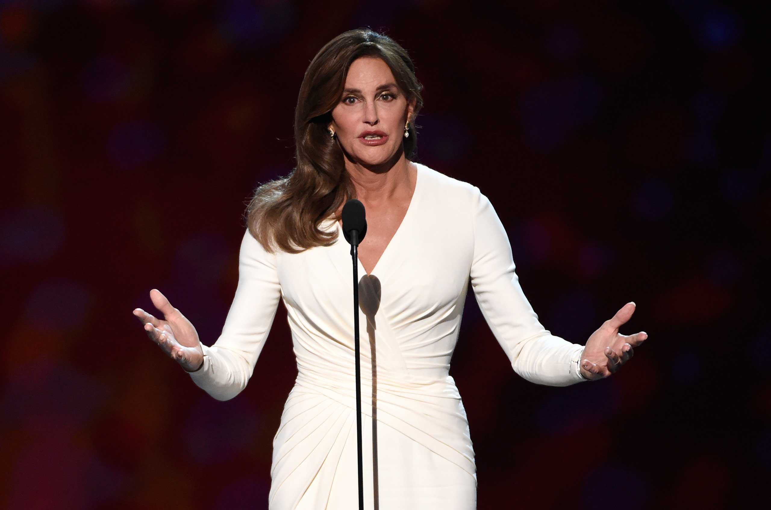 Caitlyn Jenner accepts the Arthur Ashe award for courage at the ESPY Awards at the Microsoft Theater in Los Angeles, July 15, 2015