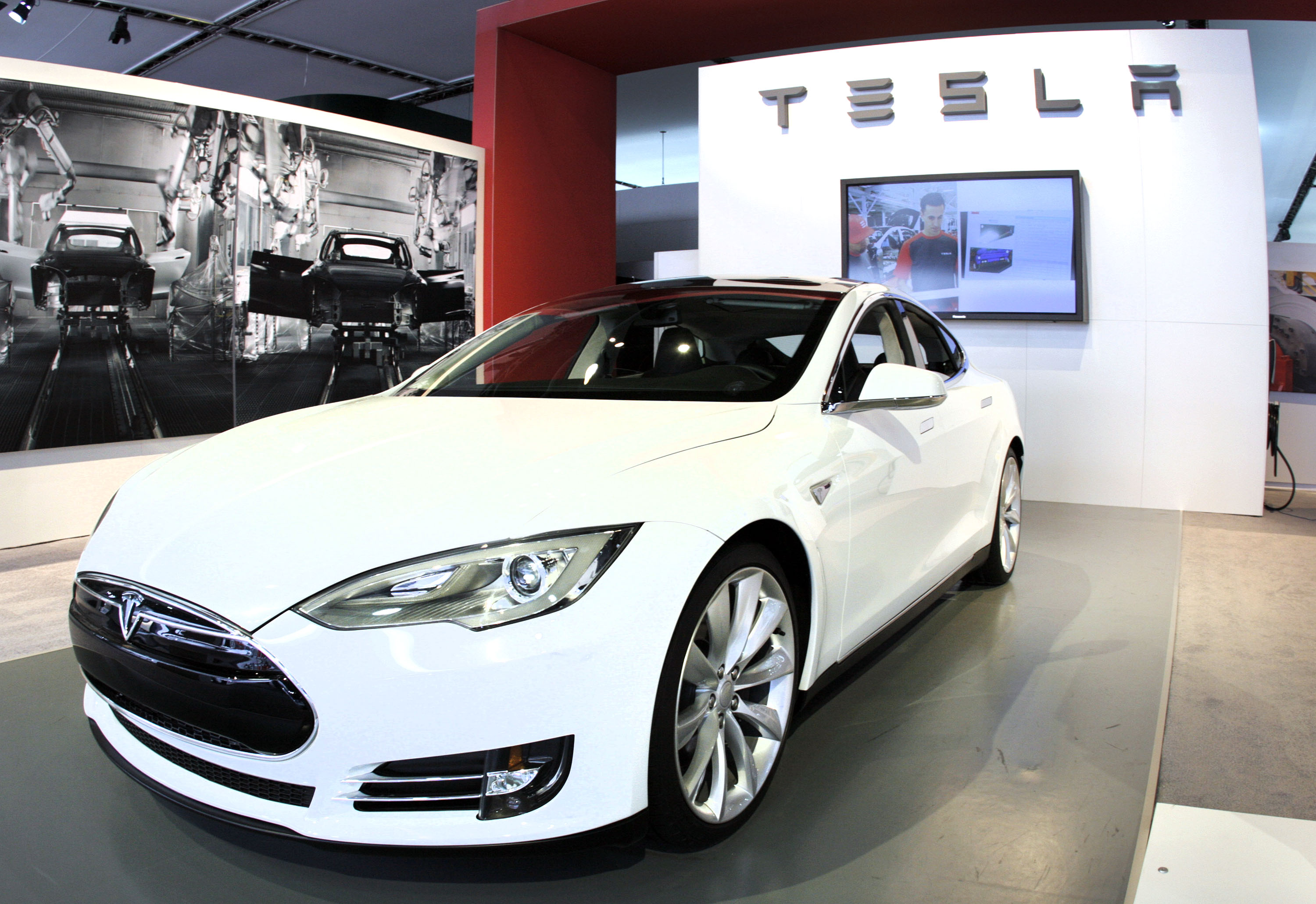 The Tesla Model S Signature is shown during a media preview day at the 2012 North American International Auto Show January 10, 2012 in Detroit, Michigan.