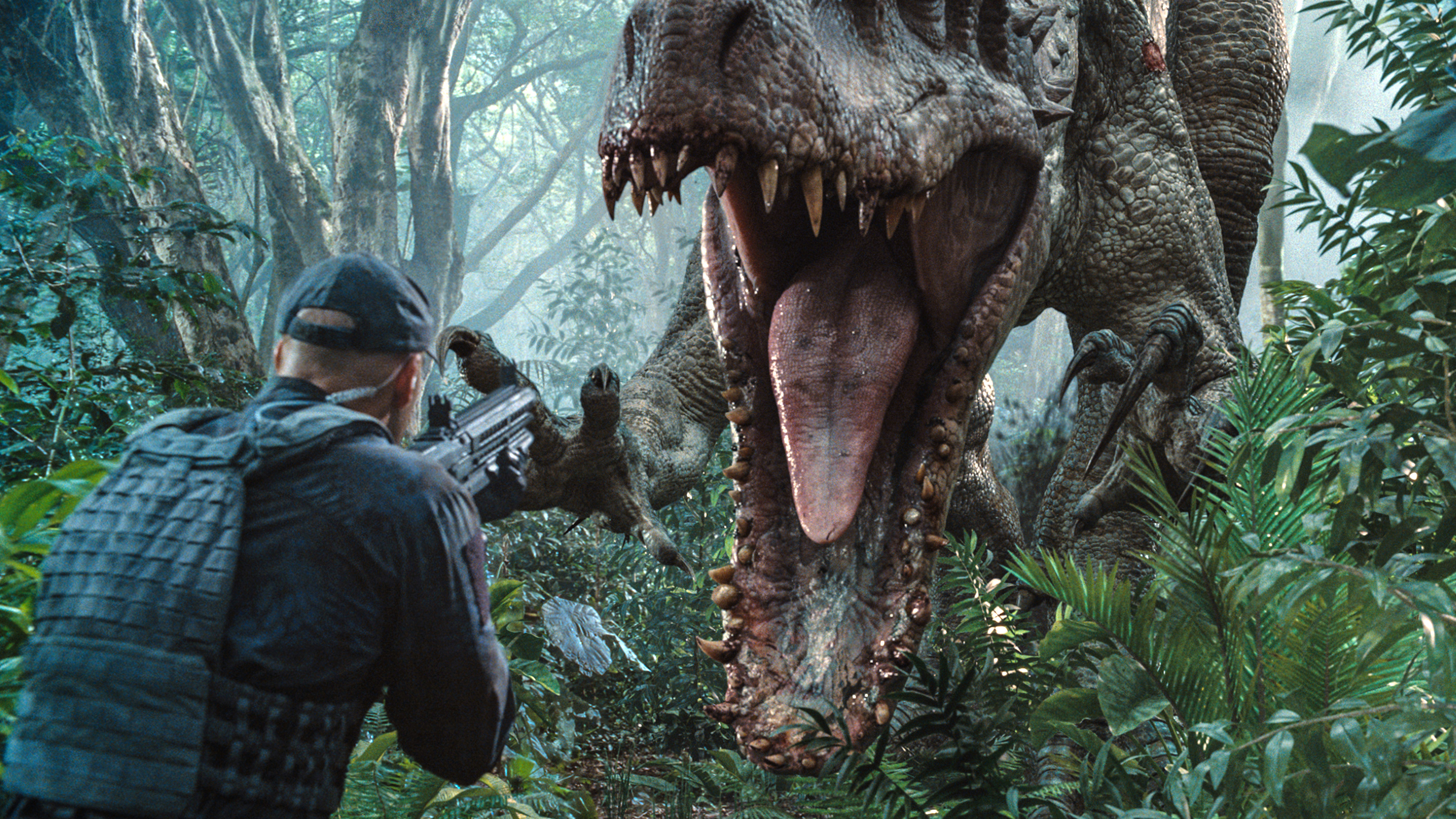 The Indominus Rex readies her attack in Jurassic World.