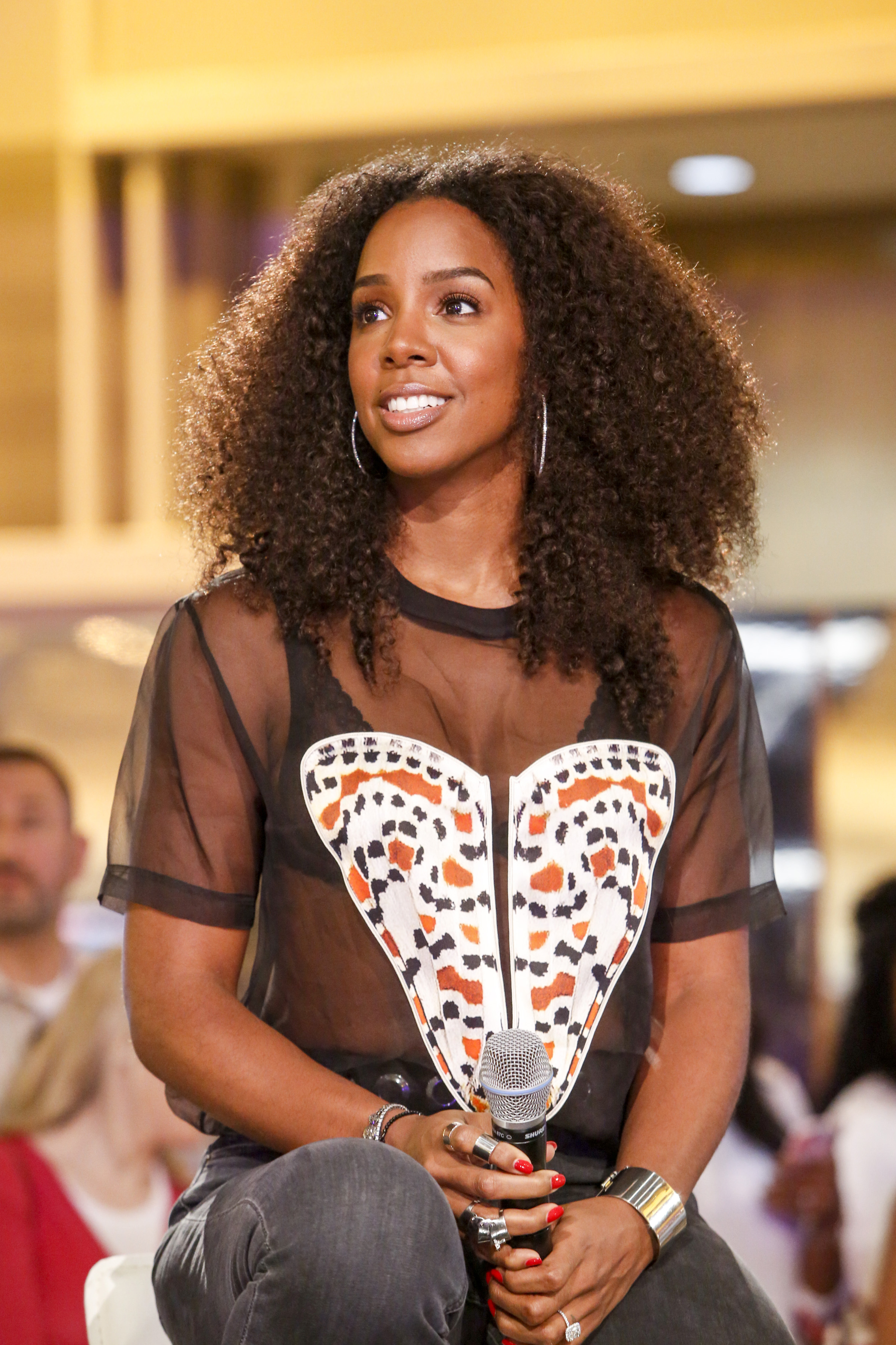 Kelly Rowland attends the Samsung Galaxy Experience at the 2015 ESSENCE Festival on July 4, 2015 in New Orleans.