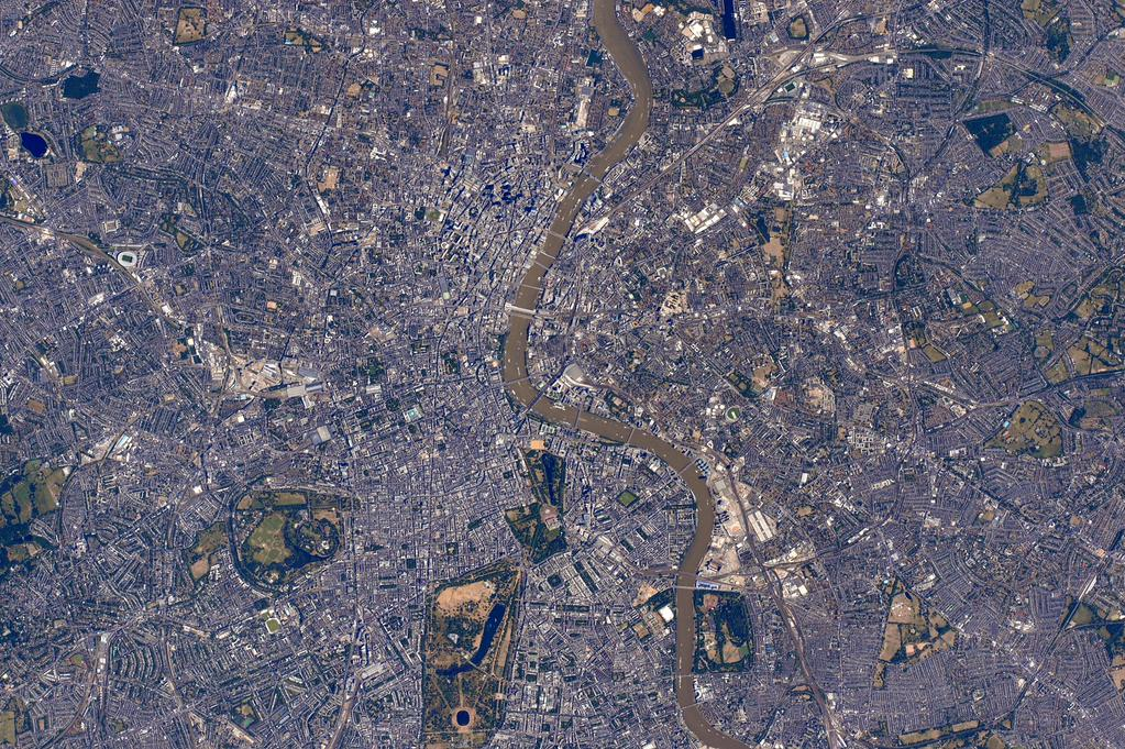 Good morning #London! Looks like there was a lot going on down there at 11:22 AM this morning. #YearInSpace   - via Twitter on July 3, 2015