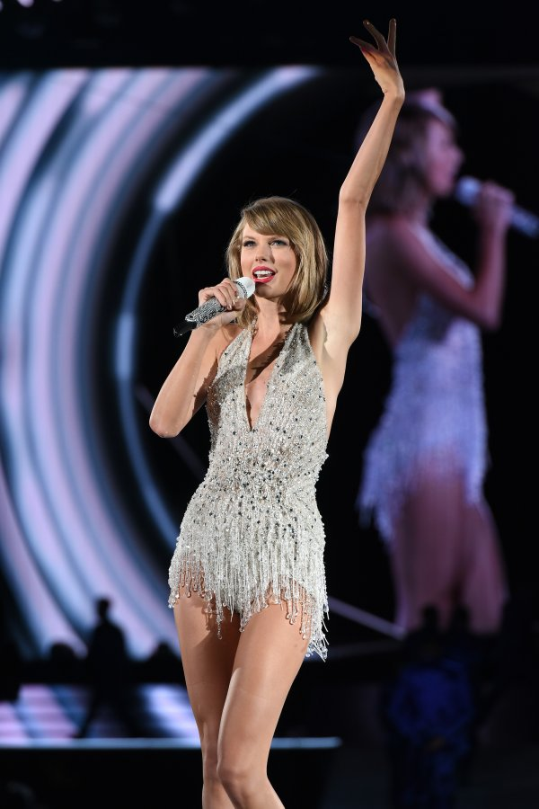 Taylor Swift Astros Success Forces Singer To Reschedule Houston Show Time