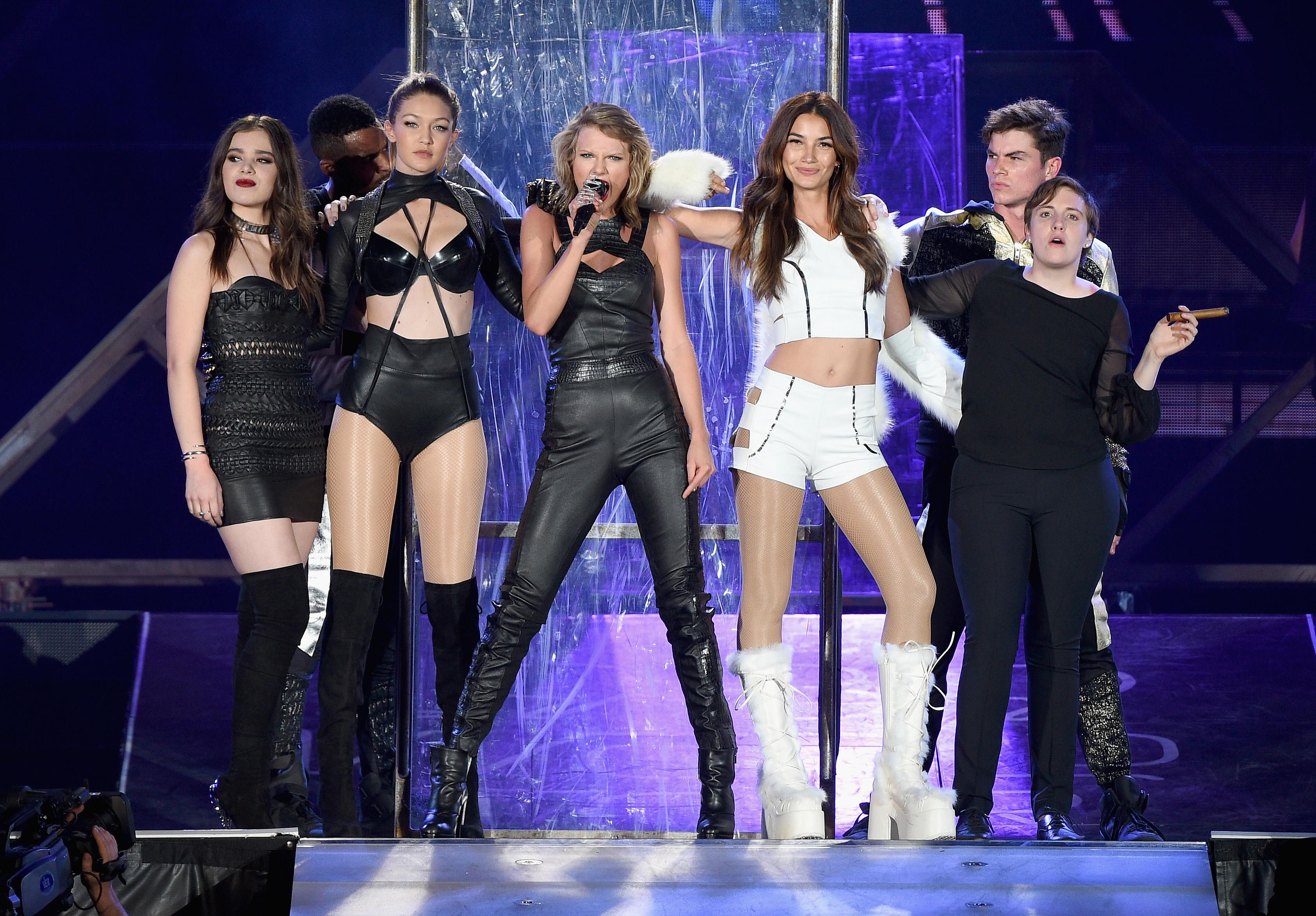 Taylor Swift Invites Lena Dunham Hailee Steinfeld Reenact Bad Blood Time