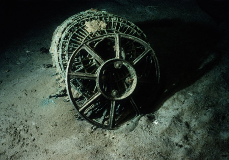 ca. 1985 --- The insides of a power turbine of the Titanic lie on the Atlantic Ocean floor south of Newfoundland.