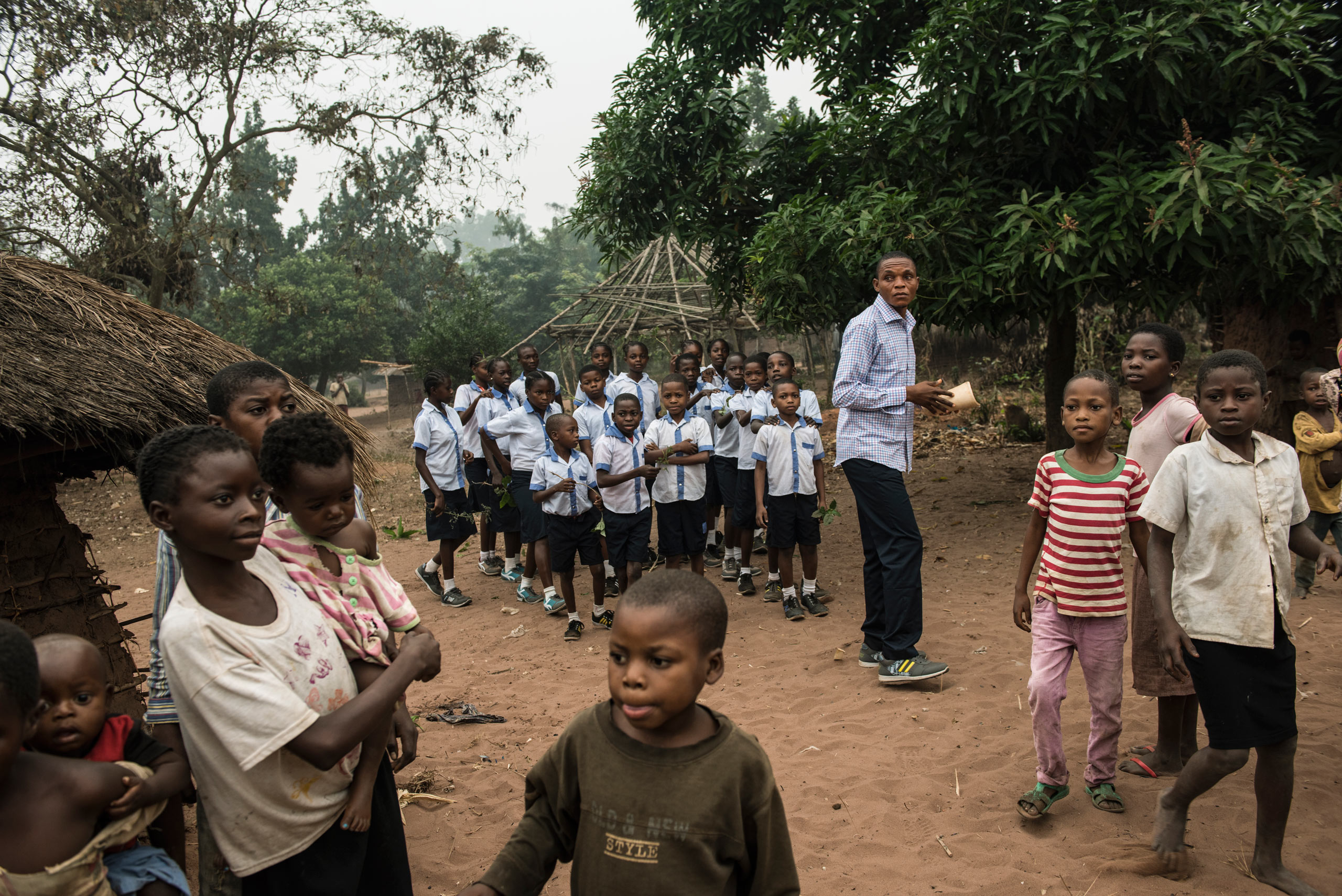 Congolese children attend the Brilliant Mobile School in the village of Lungudi,  Kasaï. The school's program uses funds from the diamond industry to educate miners' children. Aug. 7, 2015.