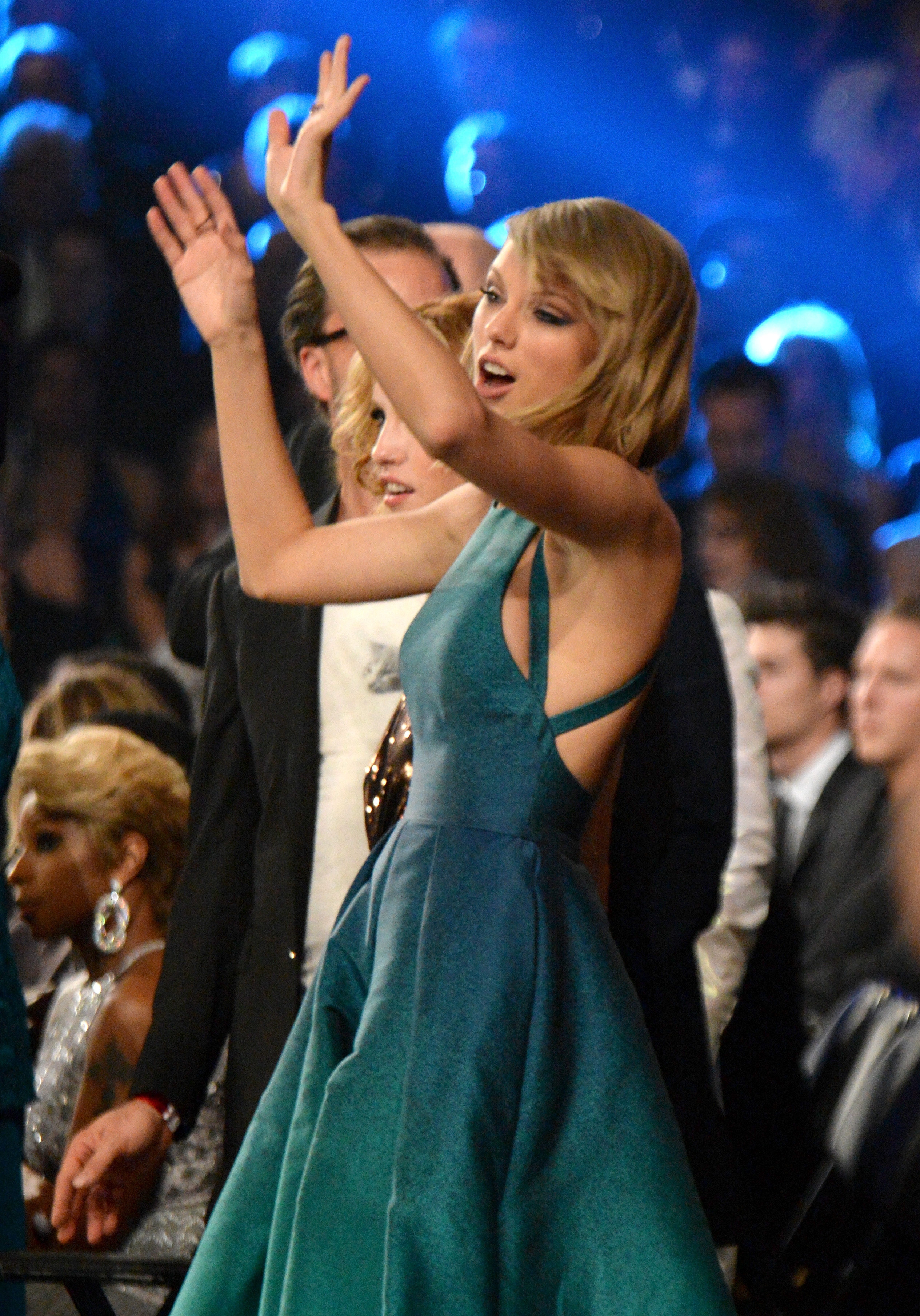 Taylor Swift really, really loves to dance at awards shows.