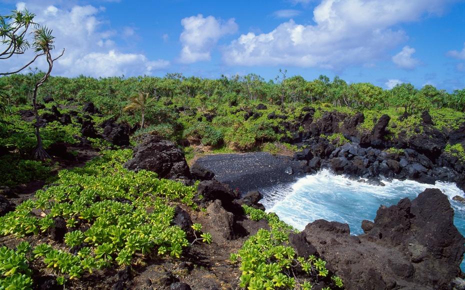 hawaii-state-park-waianapanapa