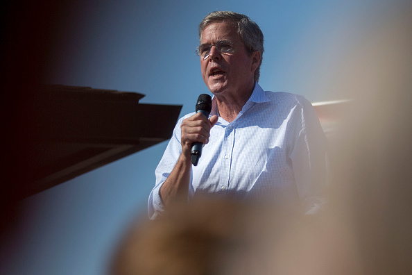 Jeb Bush, former governor of Florida and 2016 Republican presidential candidate, speaks to attendees at the Iowa State Fair Soapbox in Des Moines, Iowa, U.S., on Friday, Aug. 14, 2015.