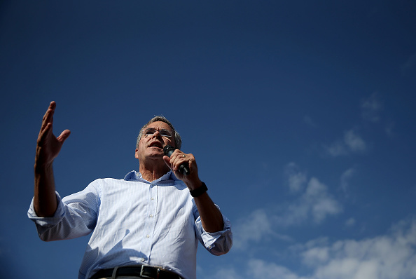 Republican presidential hopeful and former Florida Gov. Jeb Bush speaks to fairgoers during the Iowa State Fair on August 14, 2015 in Des Moines, Iowa.