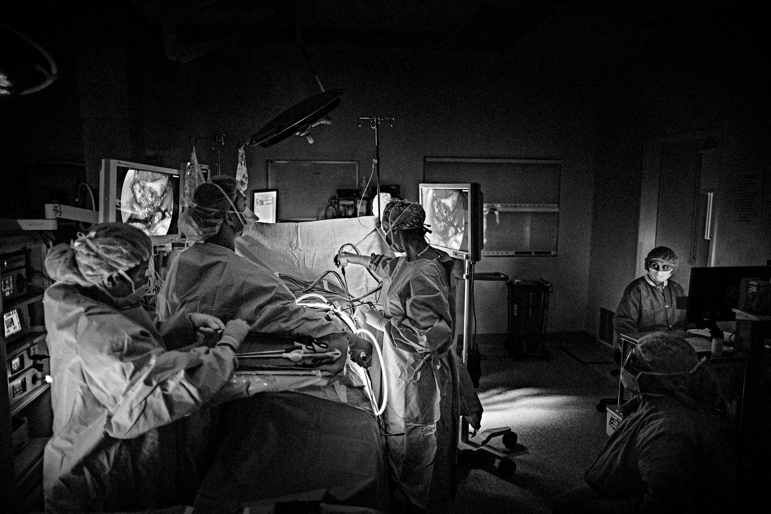 Dr. Salles performs a laparoscopic surgery toward the end of the evening, at Santa Clara Valley Medical Center in San Jose, California. March 28, 2015.
