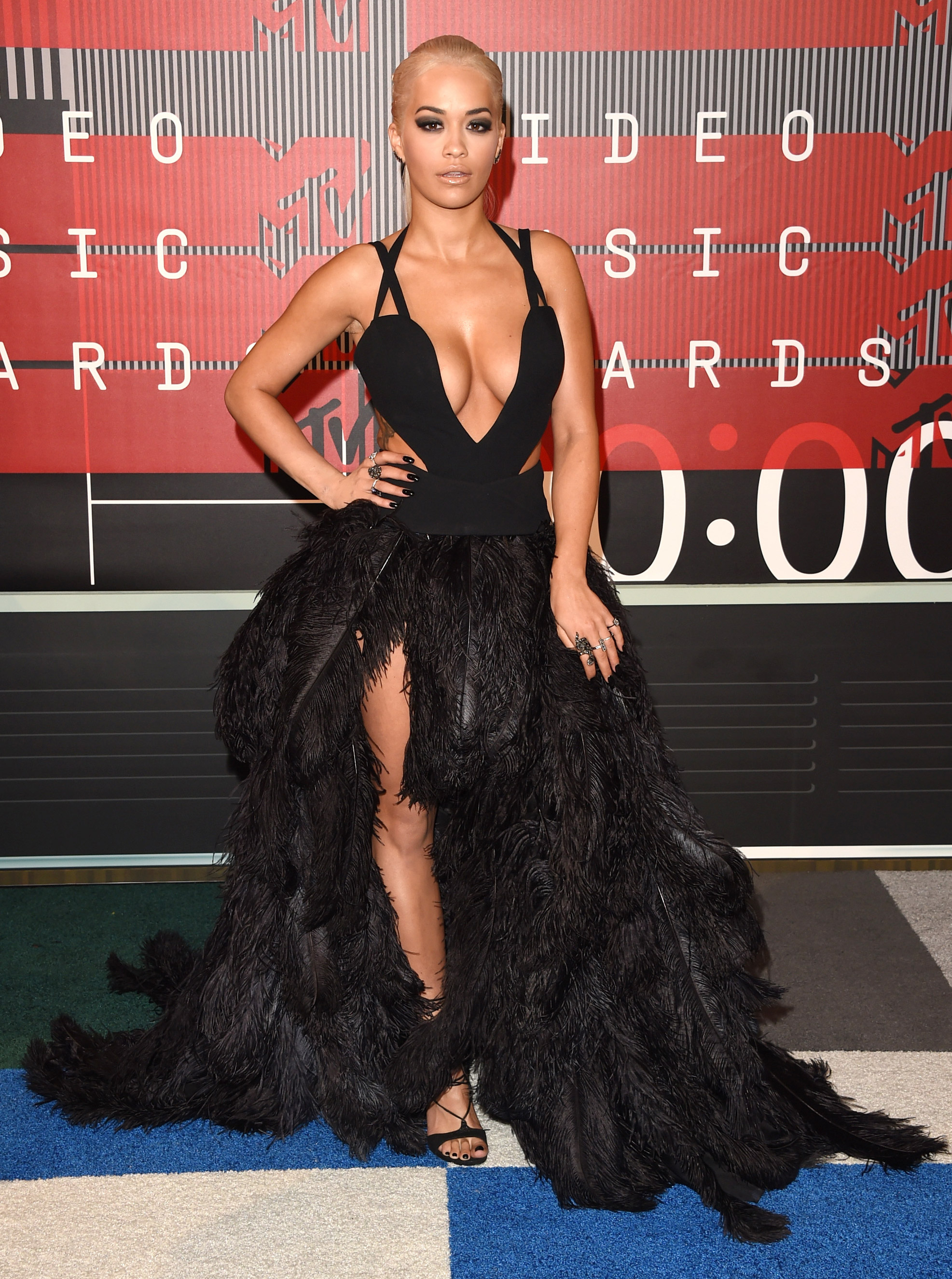 Rita Ora arrives at the 2015 MTV Video Music Awards at Microsoft Theater on Aug. 30, 2015 in Los Angeles.