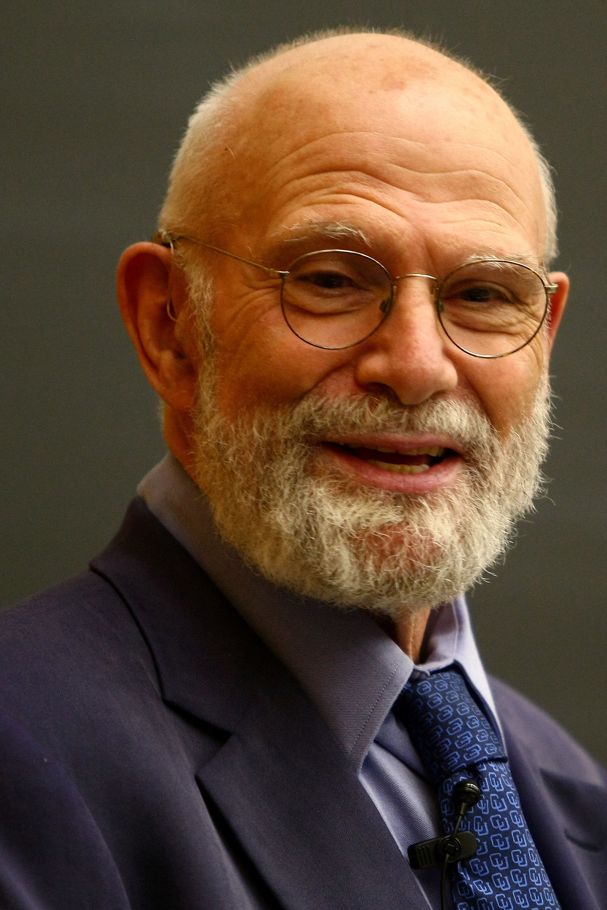 Neurologist Dr. Oliver Sacks speaks at Columbia University on June 3, 2009 in New York City.