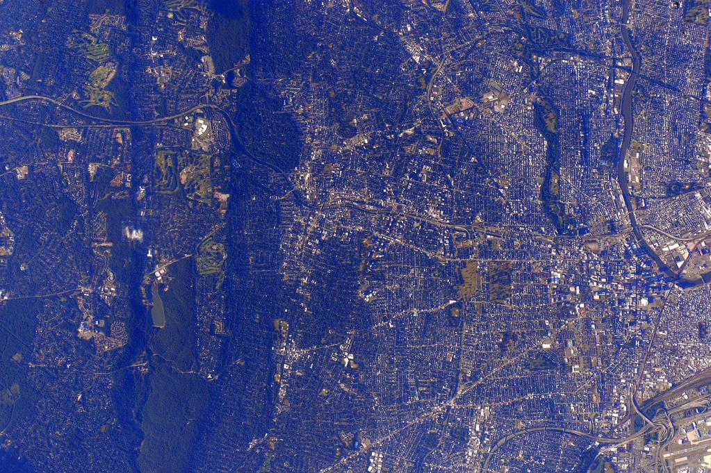 After over 300 days in space and 15 yrs I finally got a picture of my hometown! #WestOrange, #NewJersey. #YearInSpace  - via Twitter on Aug. 11, 2015