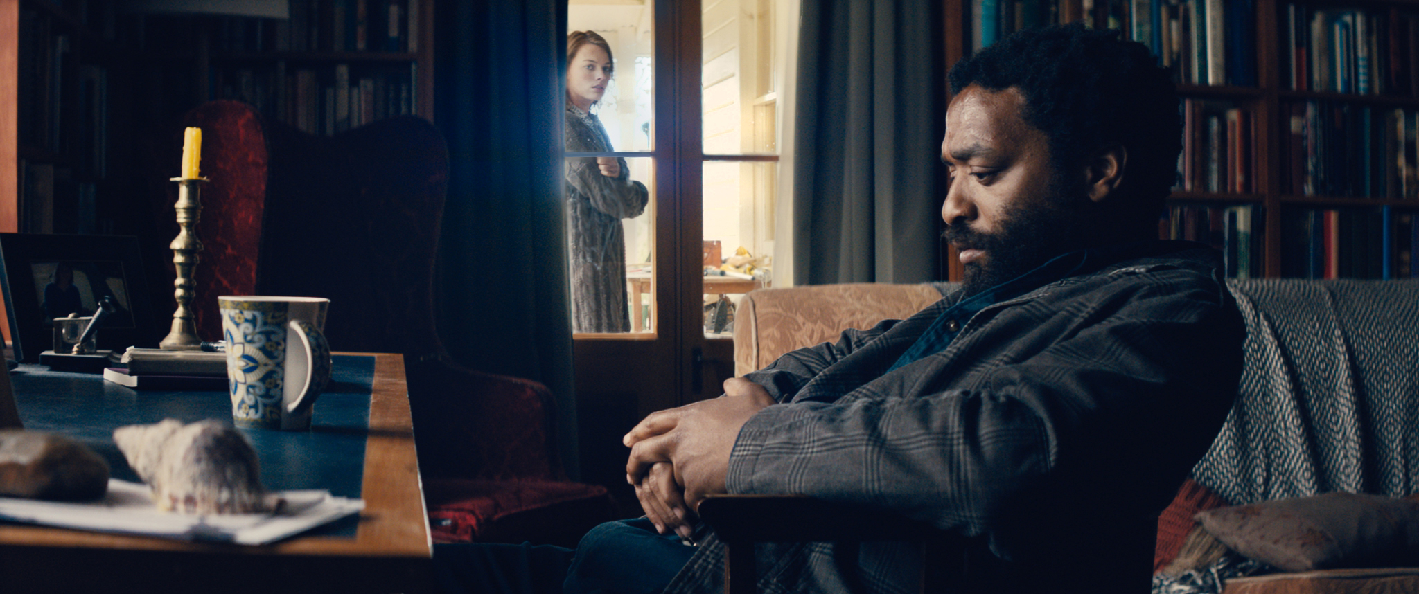 Margot Robbie and Chiwetel Ejiofor in Z for Zachariah