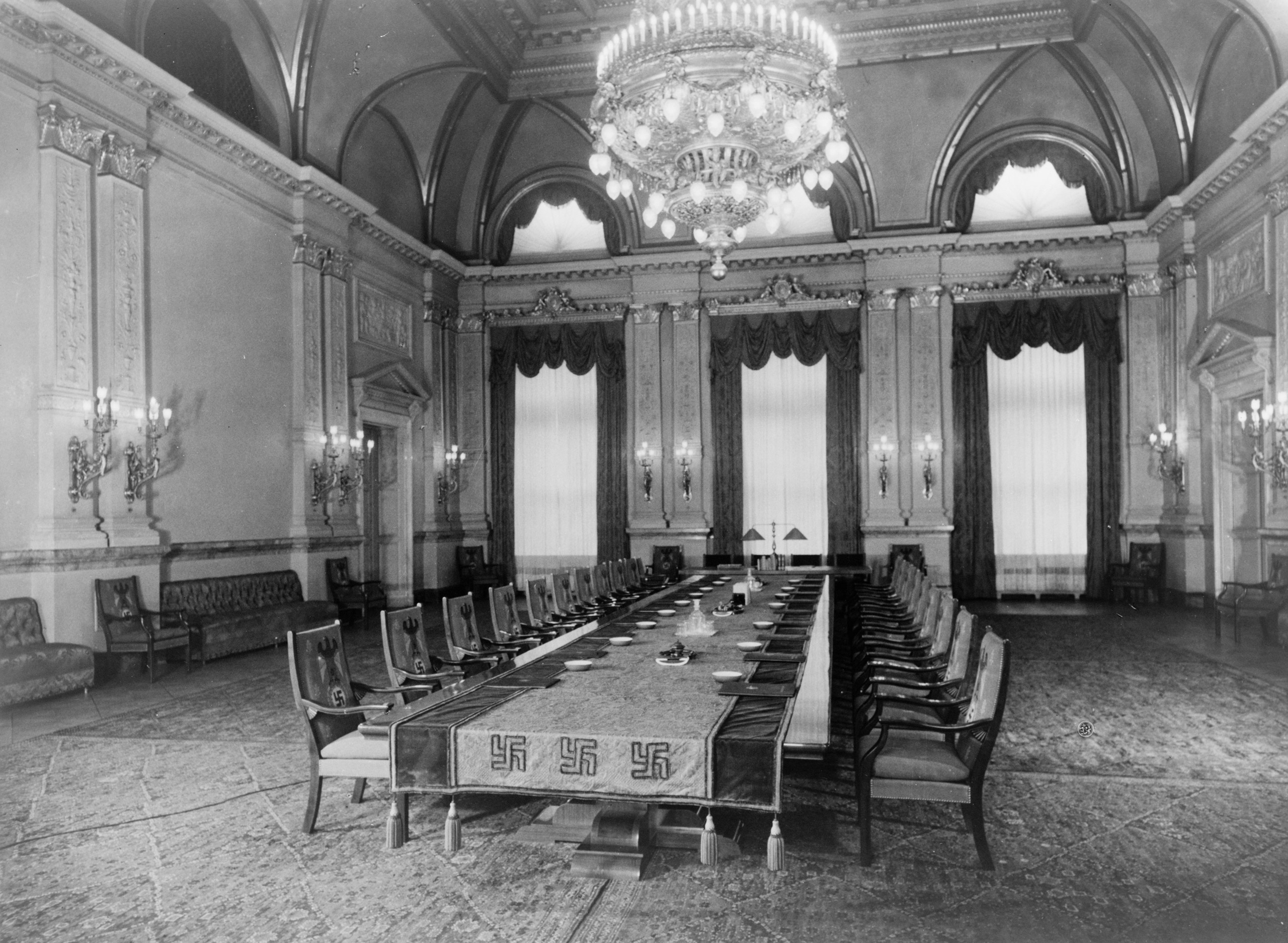 Heinrich Hoffmann, photograph of the Cabinet Room (formerly the Congress Hall) on the second floor of the Old Chancellery in Berlin after the renovation by the Atelier Troost, c. 1934. On January 30, 1933, Hitler had been sworn in as chancellor by President Hindenburg in this room.