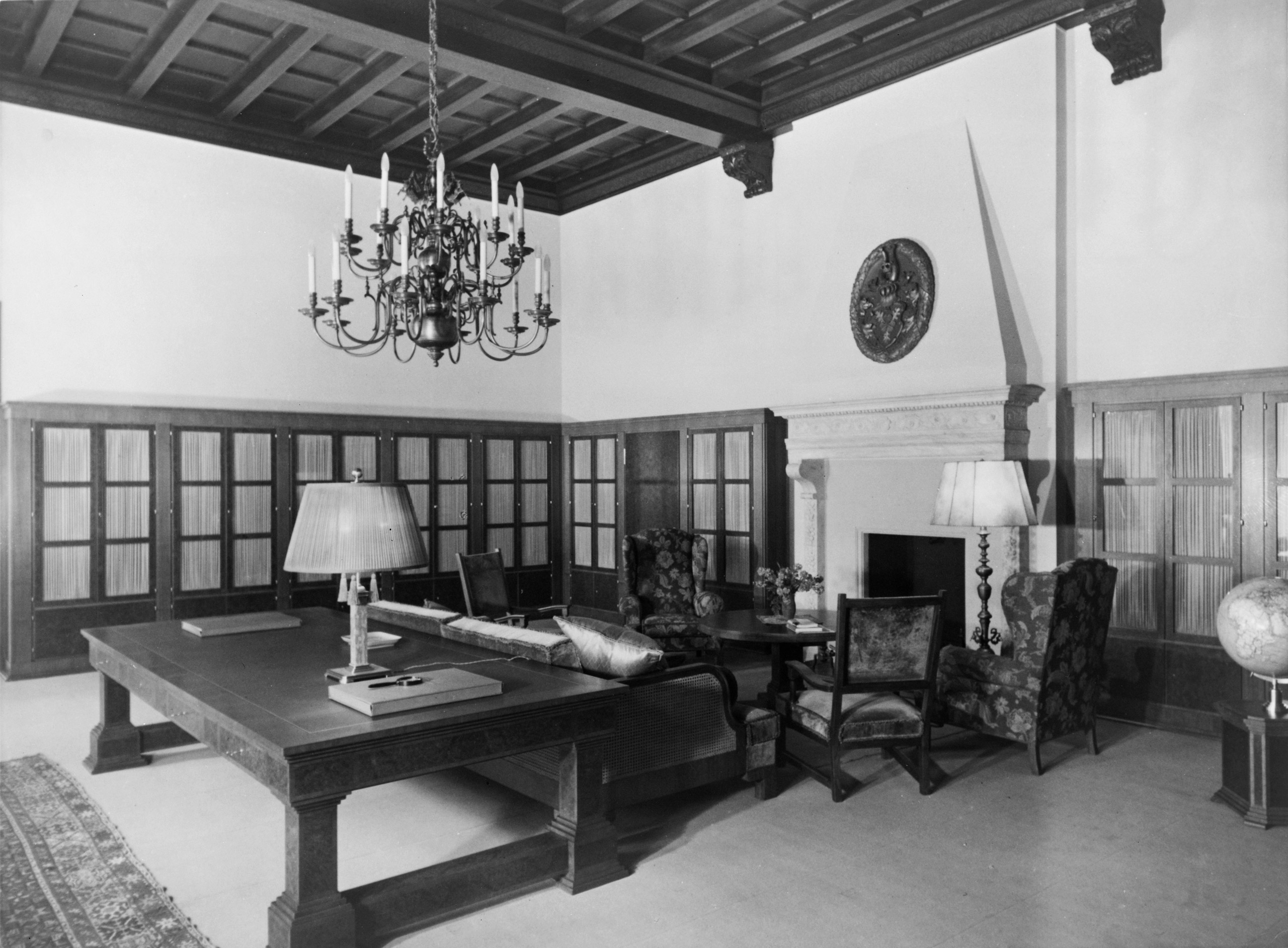 Heinrich Hoffmann, photography of Hitler's private library on the second floor of the Old Chancellery in Berlin after the 1934 renovation by the Atelier Troost.