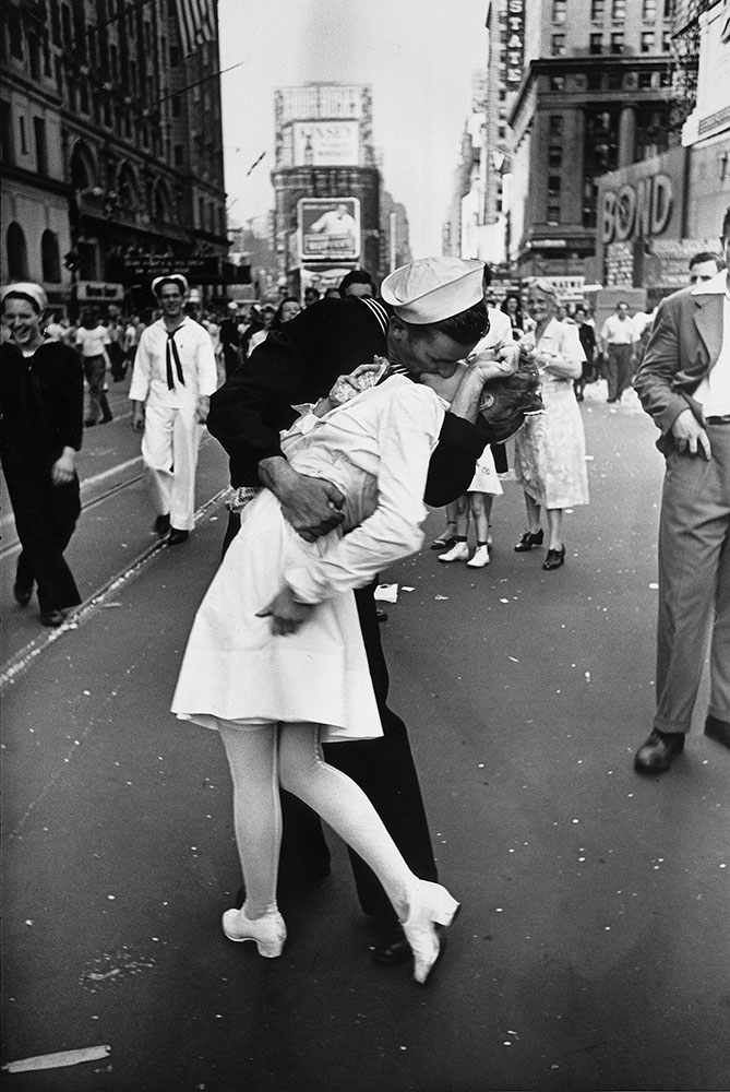 V-J Day in Times Square by Alfred Eisenstaedt, 1945.