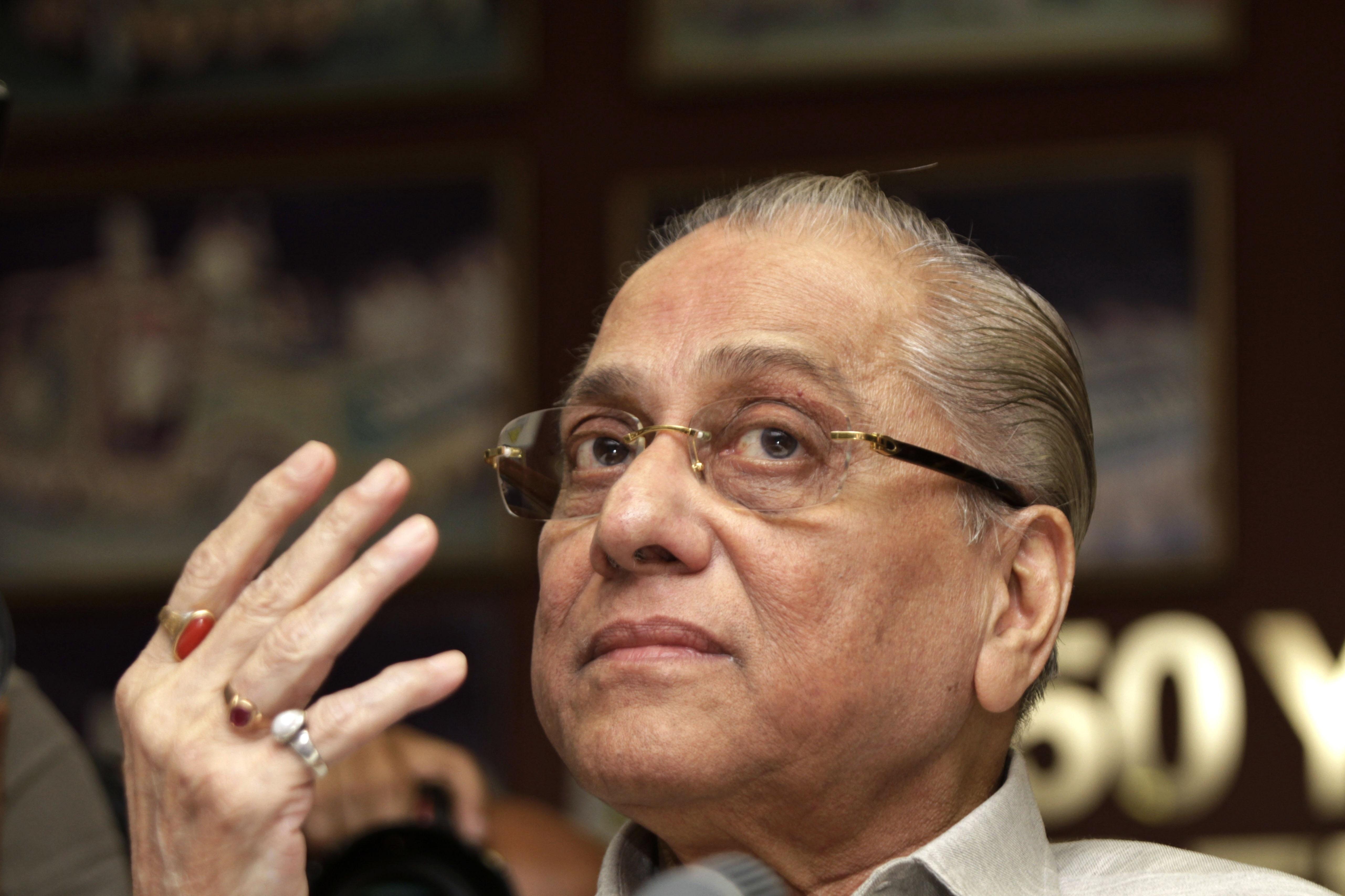 Jagmohan Dalmiya gestures during a press conference in Kolkata, India on June 3, 2013.