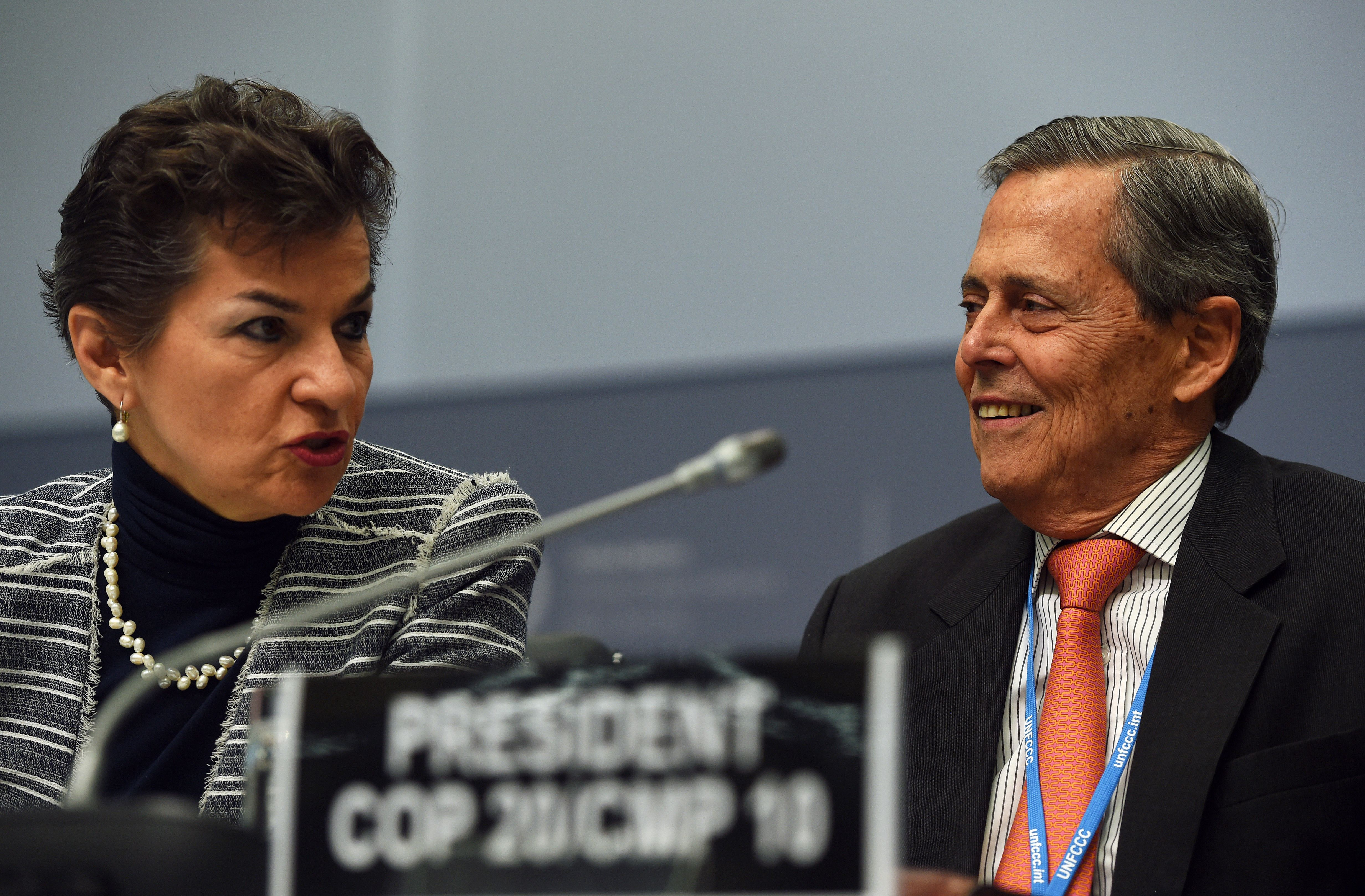 Special Representative of Peru for Climate Change, Jorge Voto Bernales (right), and Executive Secretary of the United Nations Framework Convention on Climate Change (UNFCCC), Christiana Figueres, during the UNFCCC opening ceremony in Bonn, Germany, on June 1, 2015.