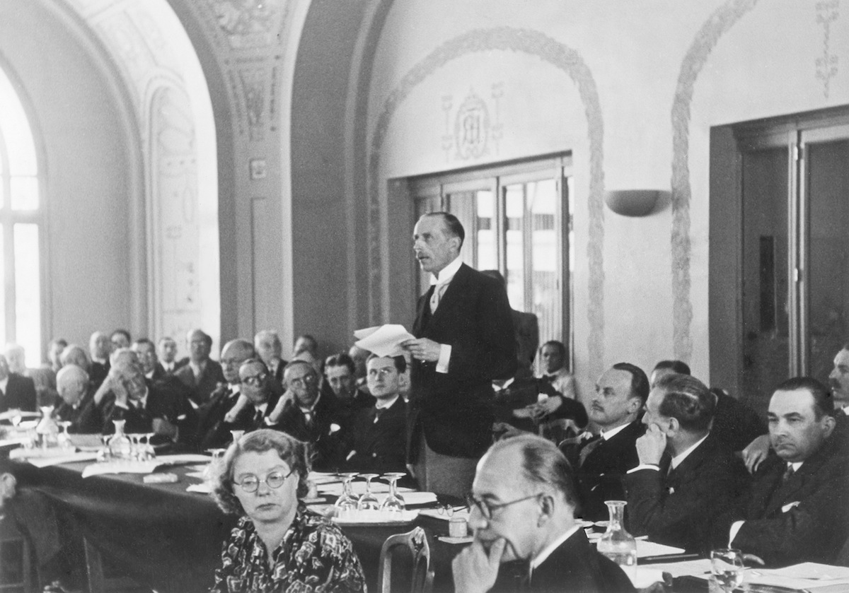 The English representative Lord Winterton delivering a speech at the Evian Conference in 1938