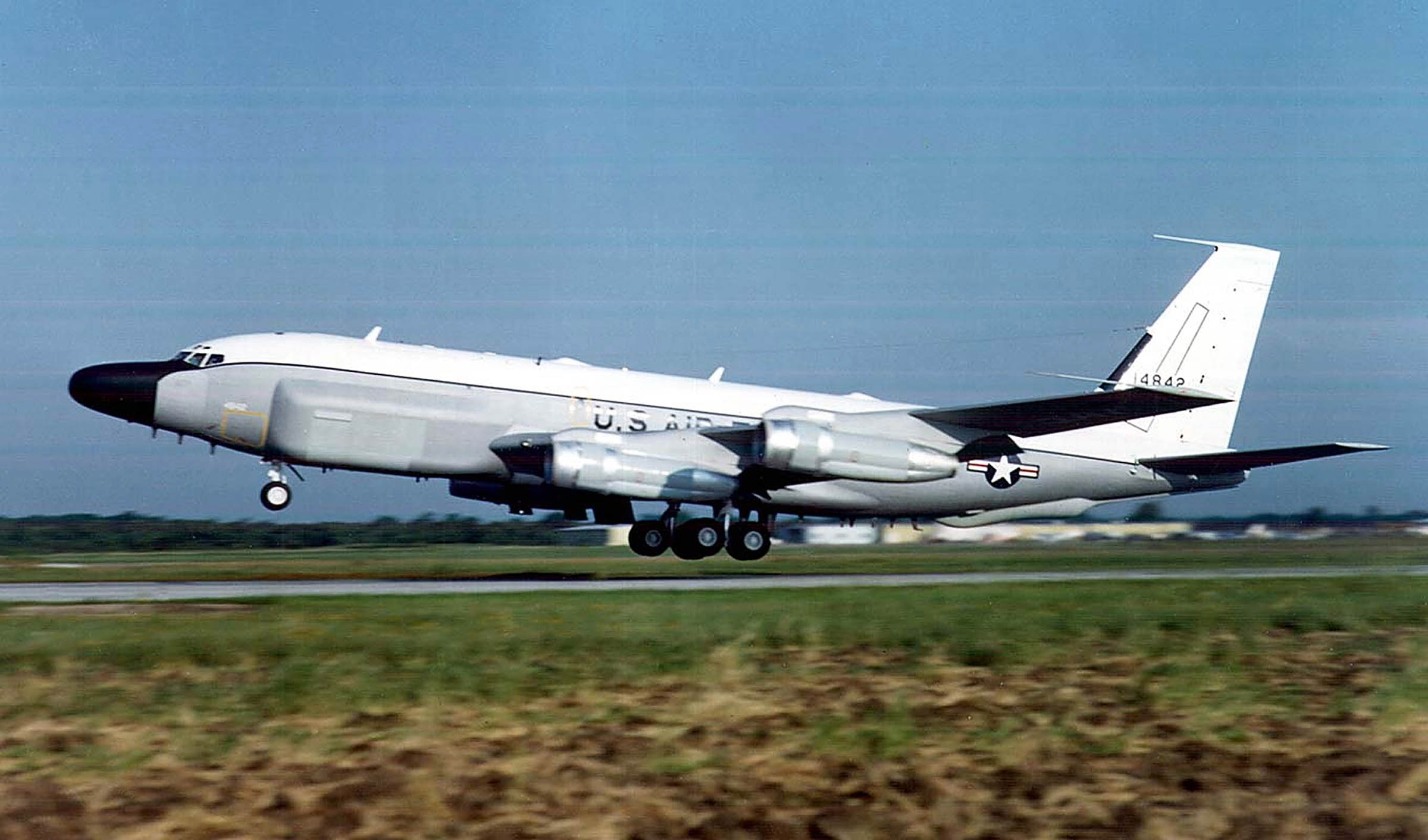 A U.S. Air Force RC-135 reconnaissance aircraft lifts off in this undated file photo. A similar jet flew a surveillance mission off the coast of China, May 7, 2001 as the United States resumed reconnaissance flights in the region for the first time since the April 1, 2001 collision of a U.S. Navy plane and a Chinese fighter jet.