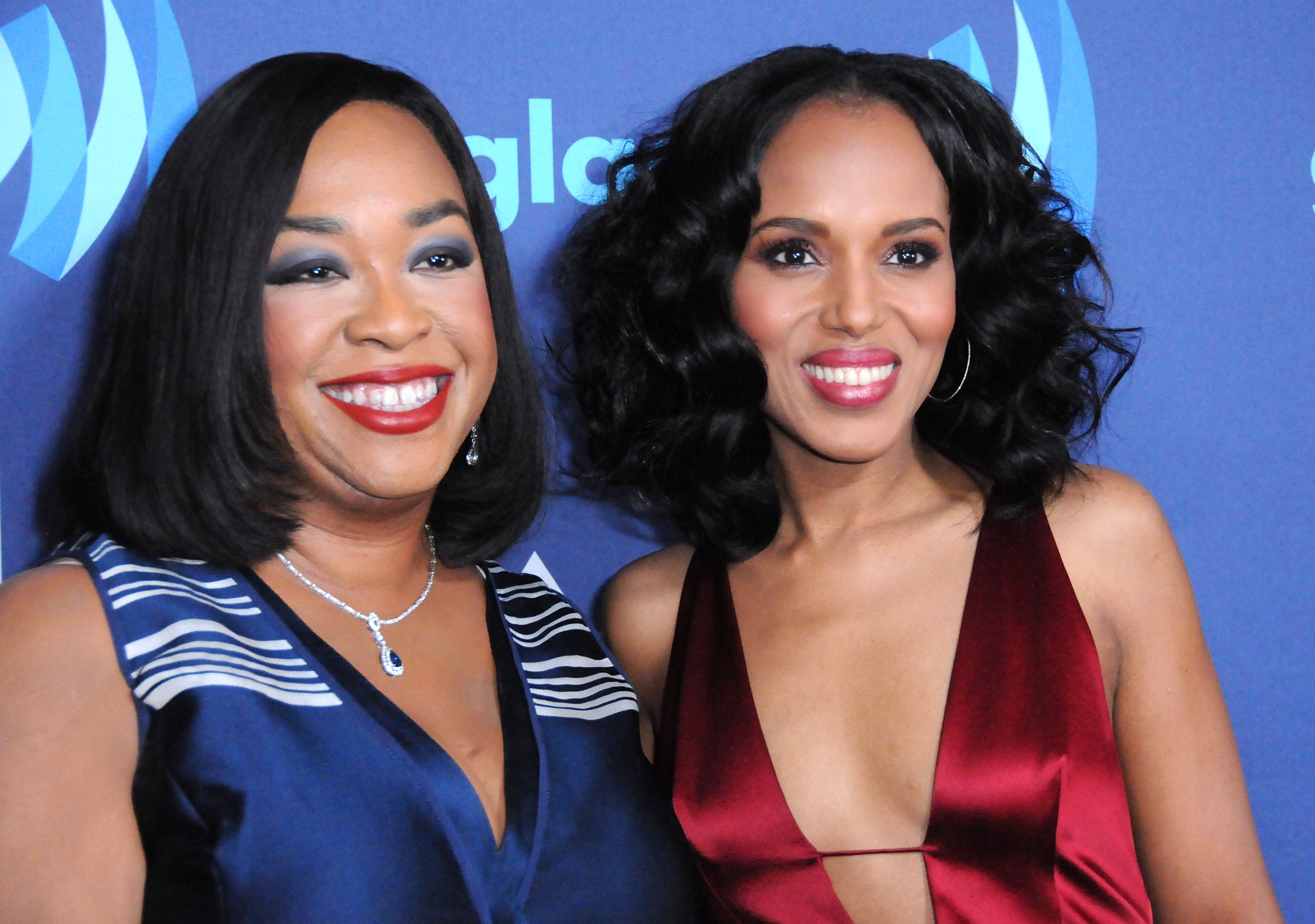(L-R) Producer Shonda Rhimes and actress Kerry Washington arrive at the 26th Annual GLAAD Media Awards at The Beverly Hilton Hotel in Beverly Hills, California.