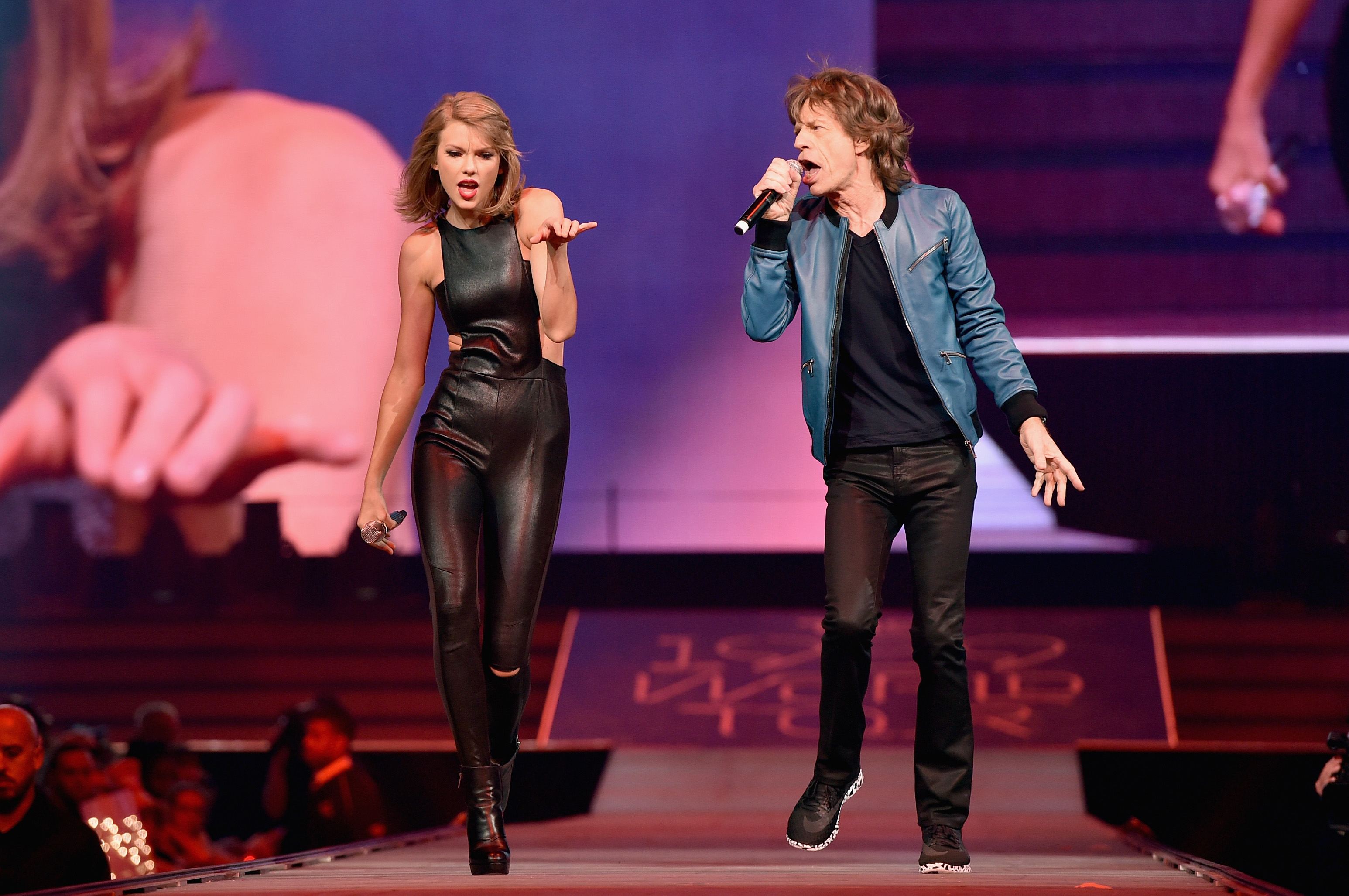 Watch A Grandmother S Joy When Jagger Joins Swift Time