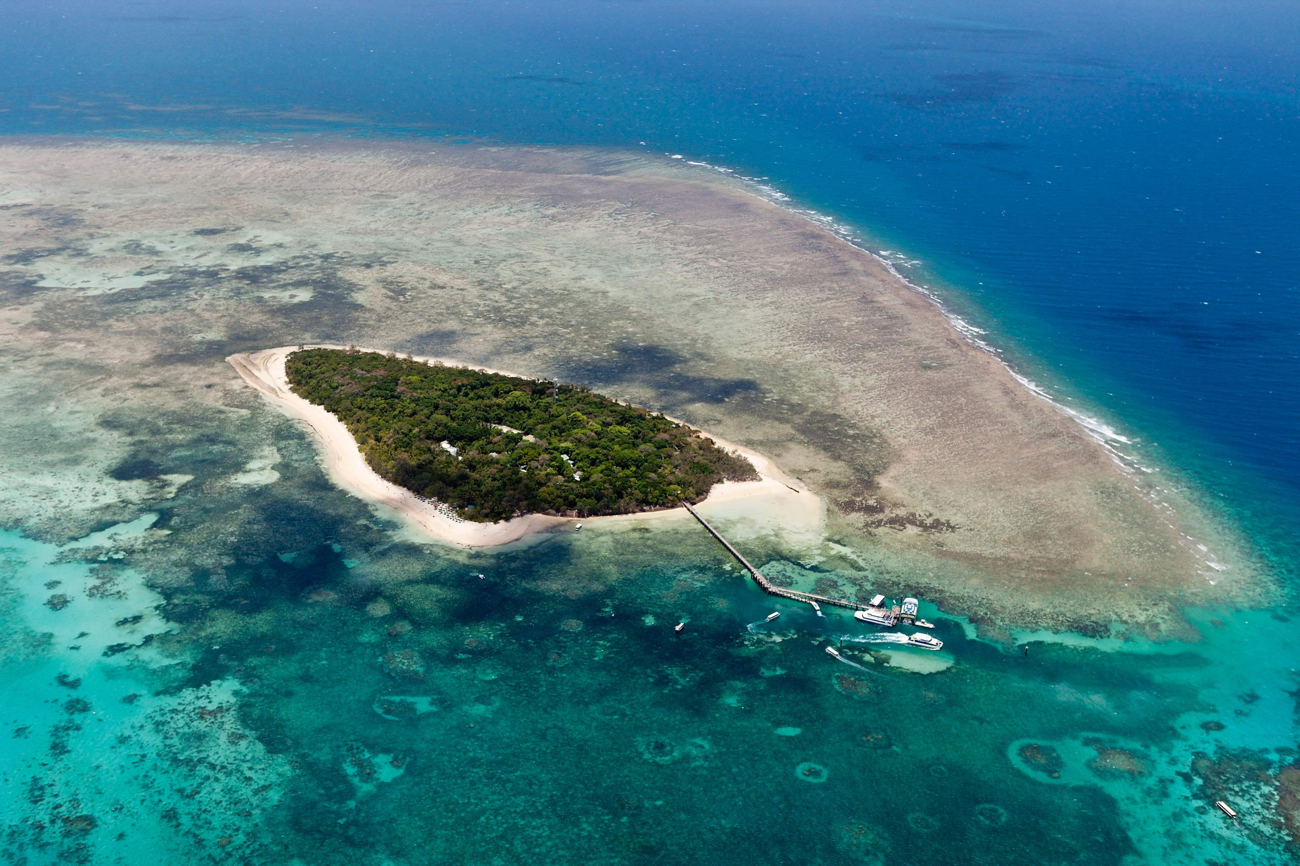 20 Apr 2015, Green Island, Great Barrier Reef Marine Park, Australia --- Aerial View of Green Island, Great Barrier Reef, Queensland, Australia --- Image by © Reinhard Dirscherl/Corbis