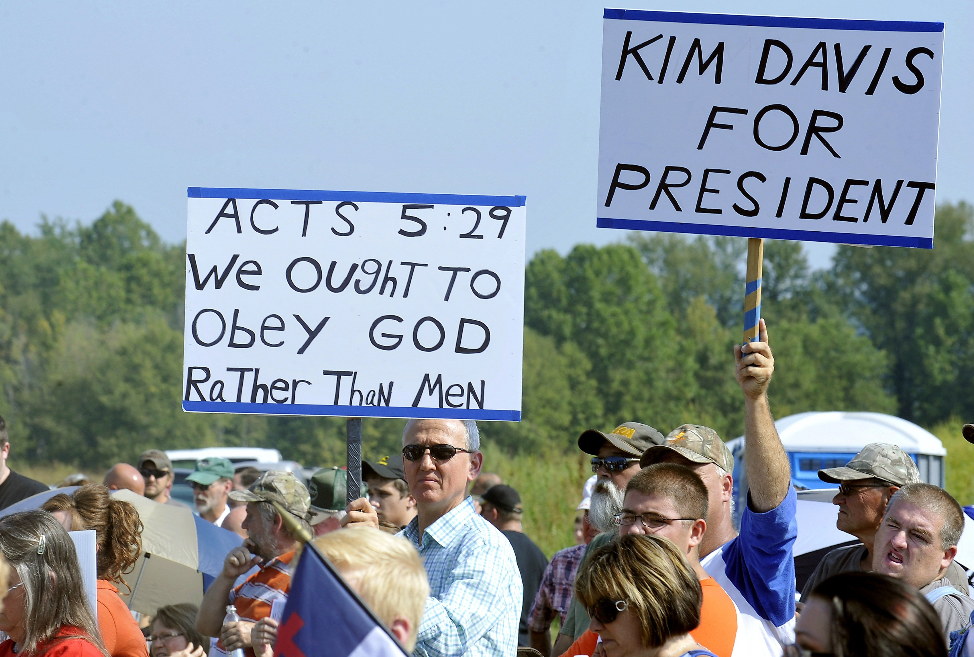 Supporters rally at the Carter County Detention Center for Rowan County clerk Kim Davis, who remains in jail for contempt of court on Sept. 5, 2015 in Grayson, Ky.