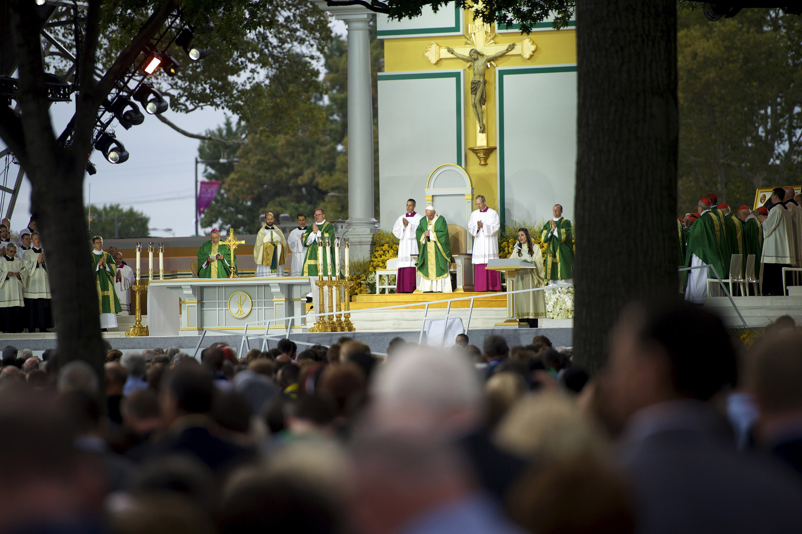 Pope Francis conducts the final mass of his U.S. visit in Philadelphia, on Sept. 27, 2015.