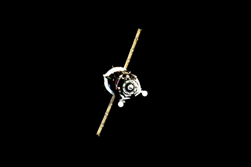Welcome to my friends on #Soyuz @Astro_Andreas and @Volkov_ISS and #Kazakh cosmonaut A. Aimbetov whom I've never met  - via Twitter on Sept. 4, 2015